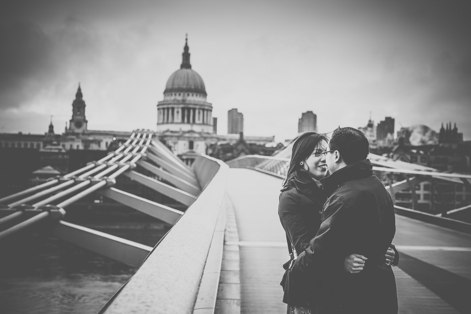 pre-wedding-engagement-session-in-london-portchester-and-notting-hill-hampshire-wedding-photographer-49.jpg