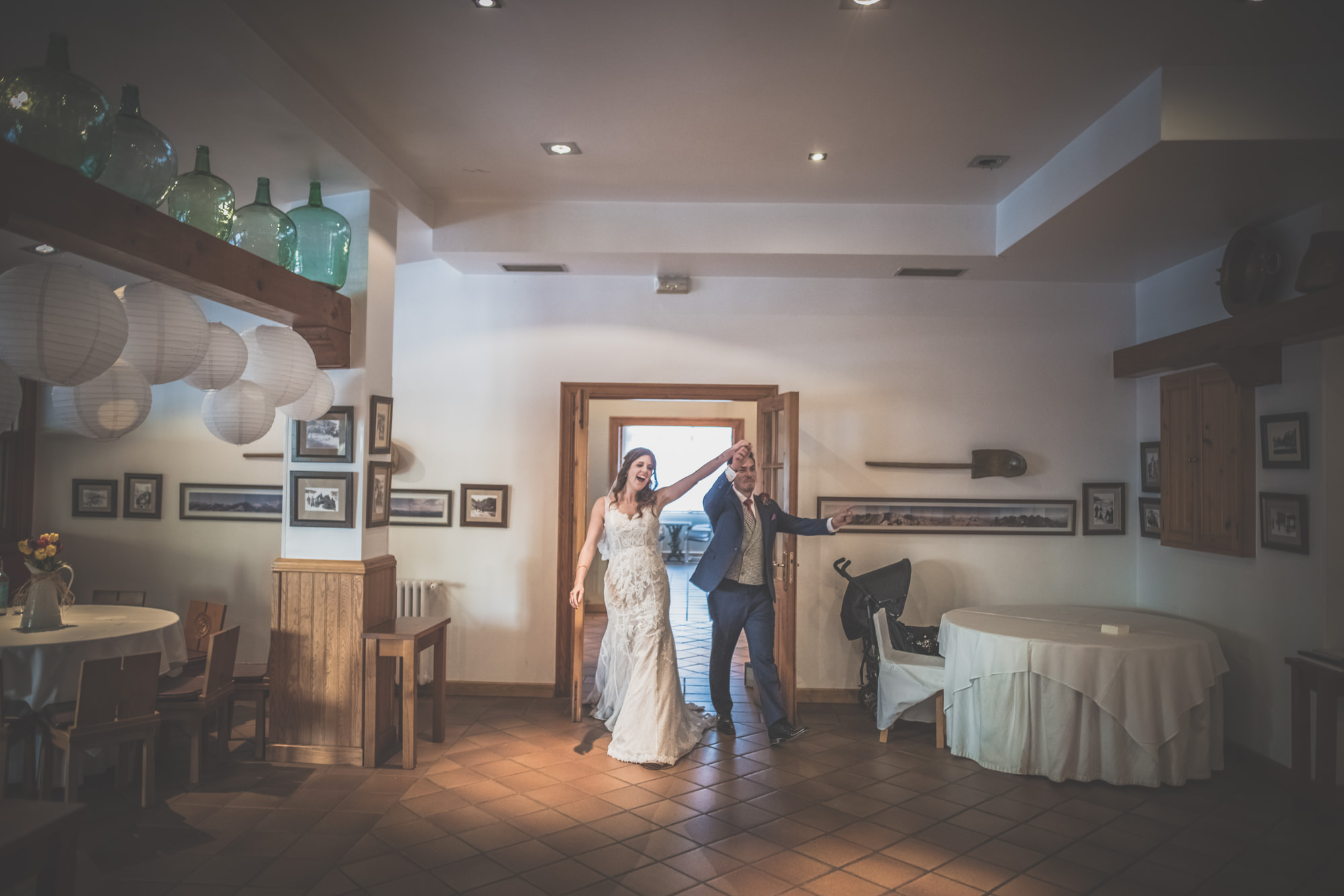 Amy-and-Andres-destination-wedding-in-Potes-Spain-Manu-Mendoza-Wedding-Photography-476.jpg
