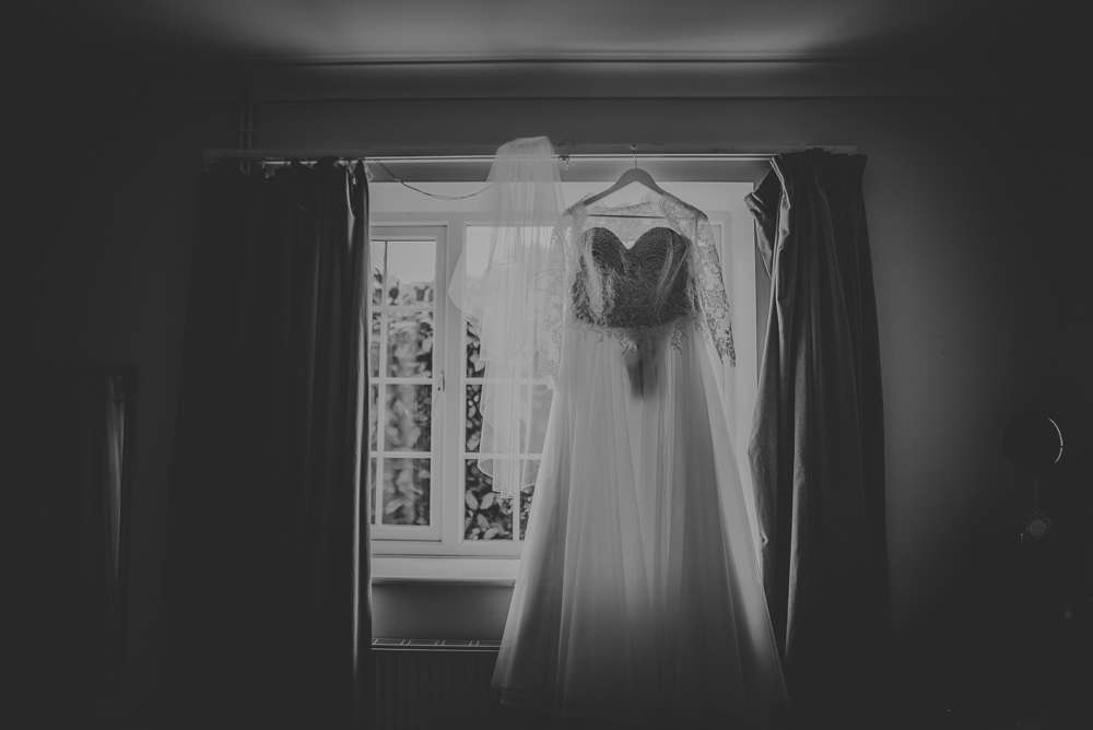Hayley-and-Les-Wedding-Photography-The-Montagu-Arms-Hotel-Beaulieu-Hampshire-106.jpg
