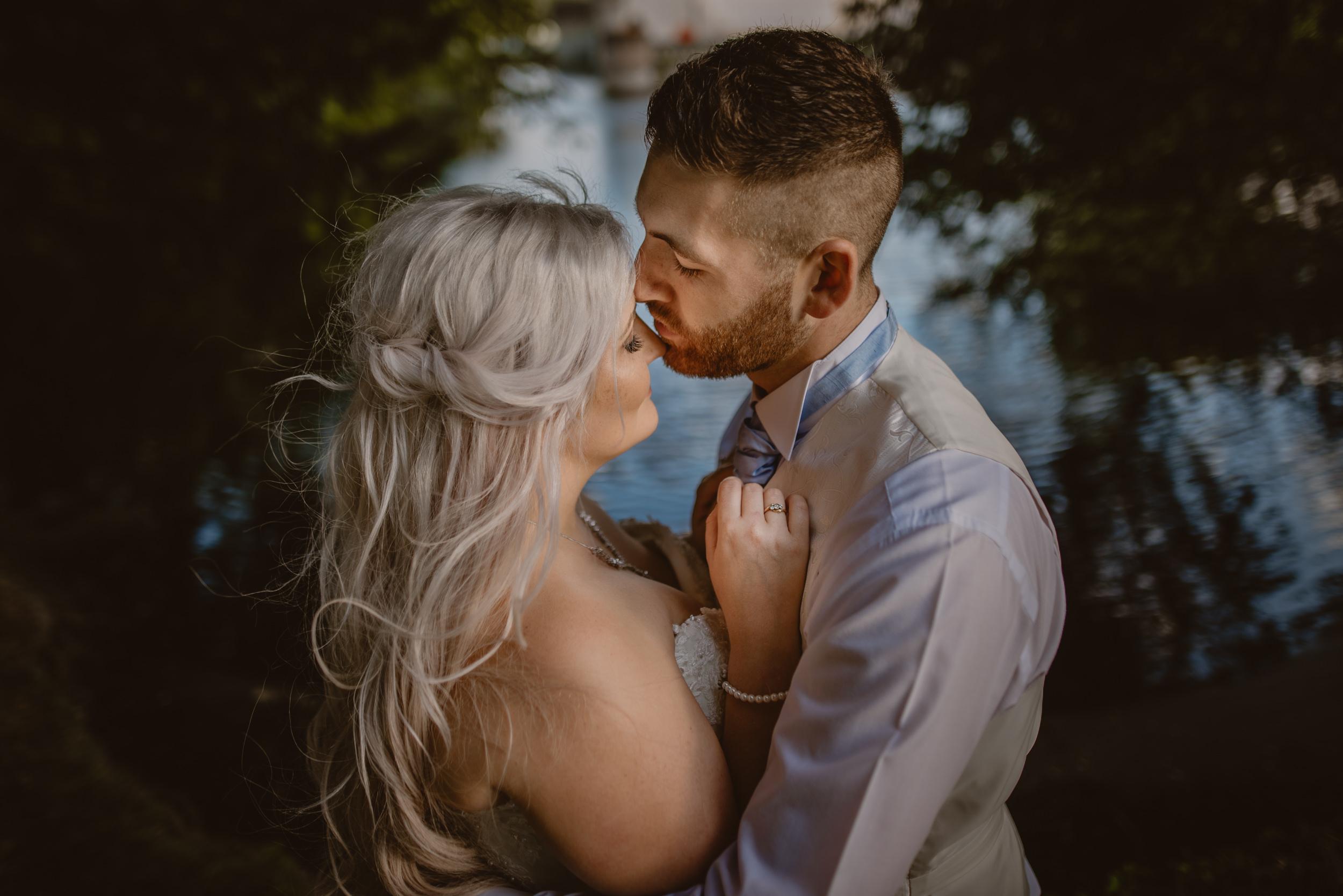 Rachel-and-James-Wedding-Horsley-Towers-State-Manu-Mendoza-Wedding-Photography-500.jpg