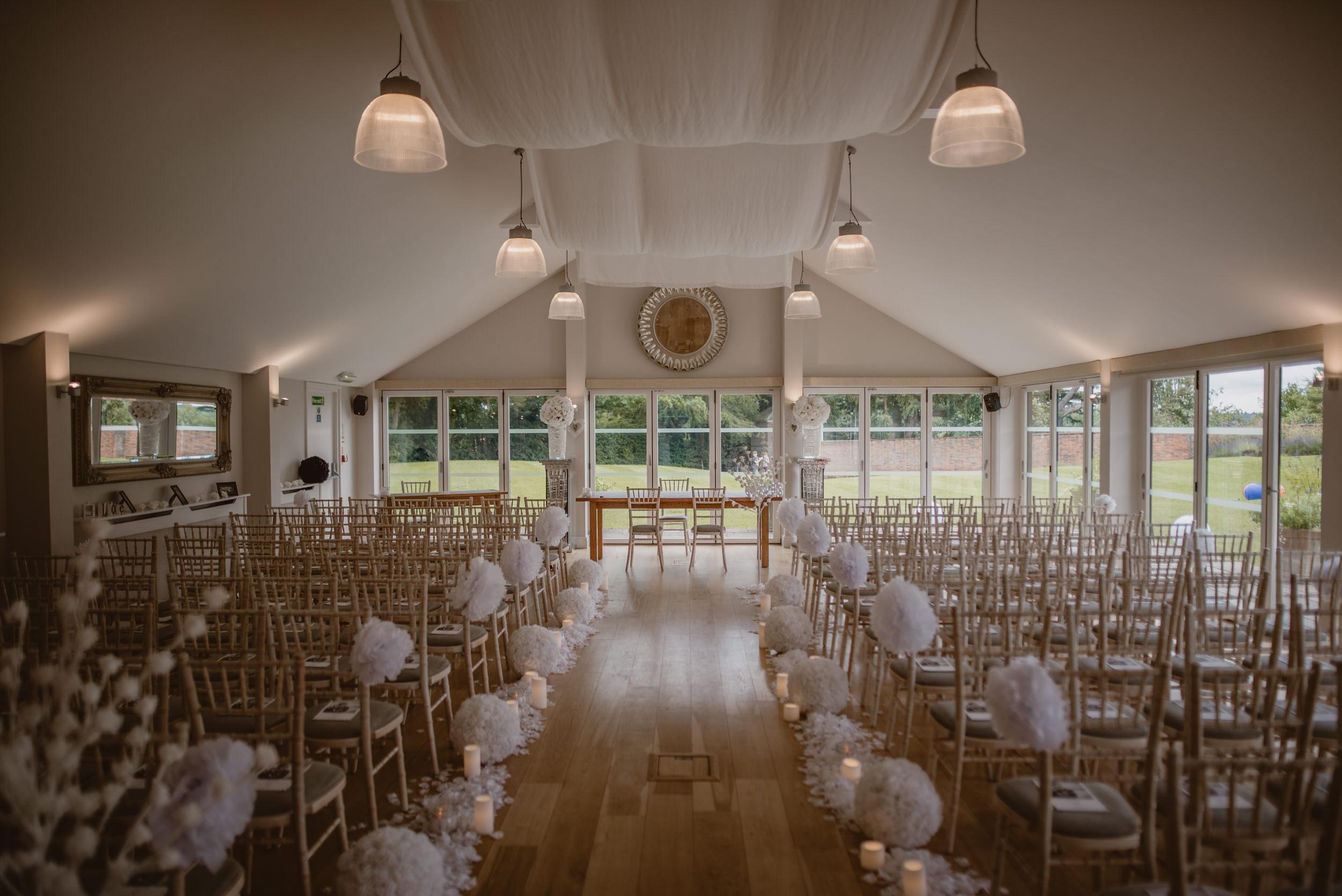 Barry-and-Chaz-wedding-Wasing-Park-Berkshire-Manu-Mendoza-Wedding-Photography-008.jpg