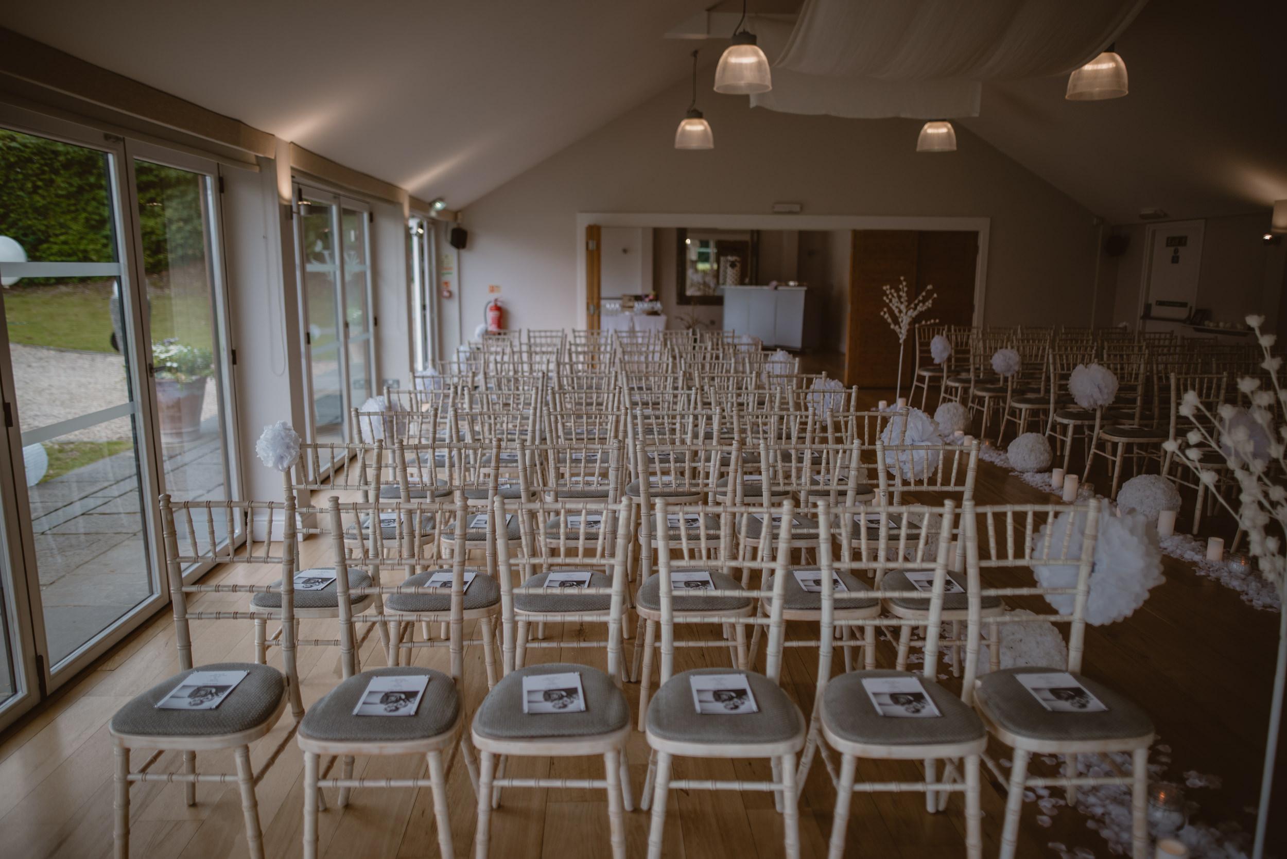 Barry-and-Chaz-wedding-Wasing-Park-Berkshire-Manu-Mendoza-Wedding-Photography-019.jpg