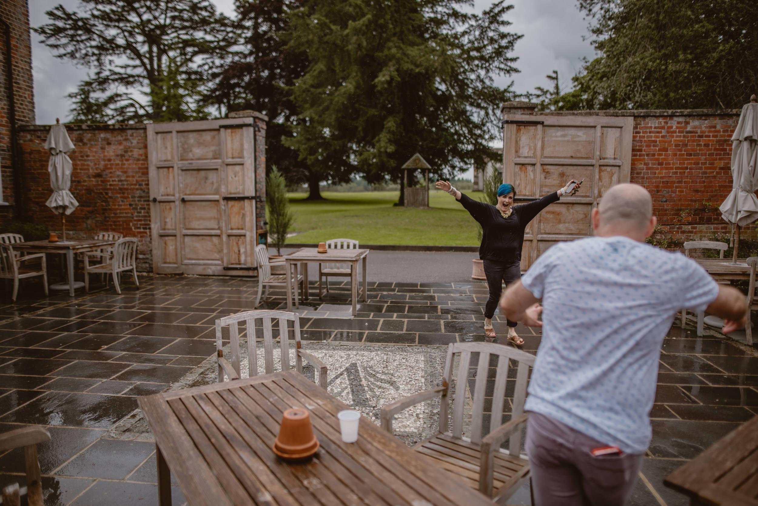 Barry-and-Chaz-wedding-Wasing-Park-Berkshire-Manu-Mendoza-Wedding-Photography-075.jpg