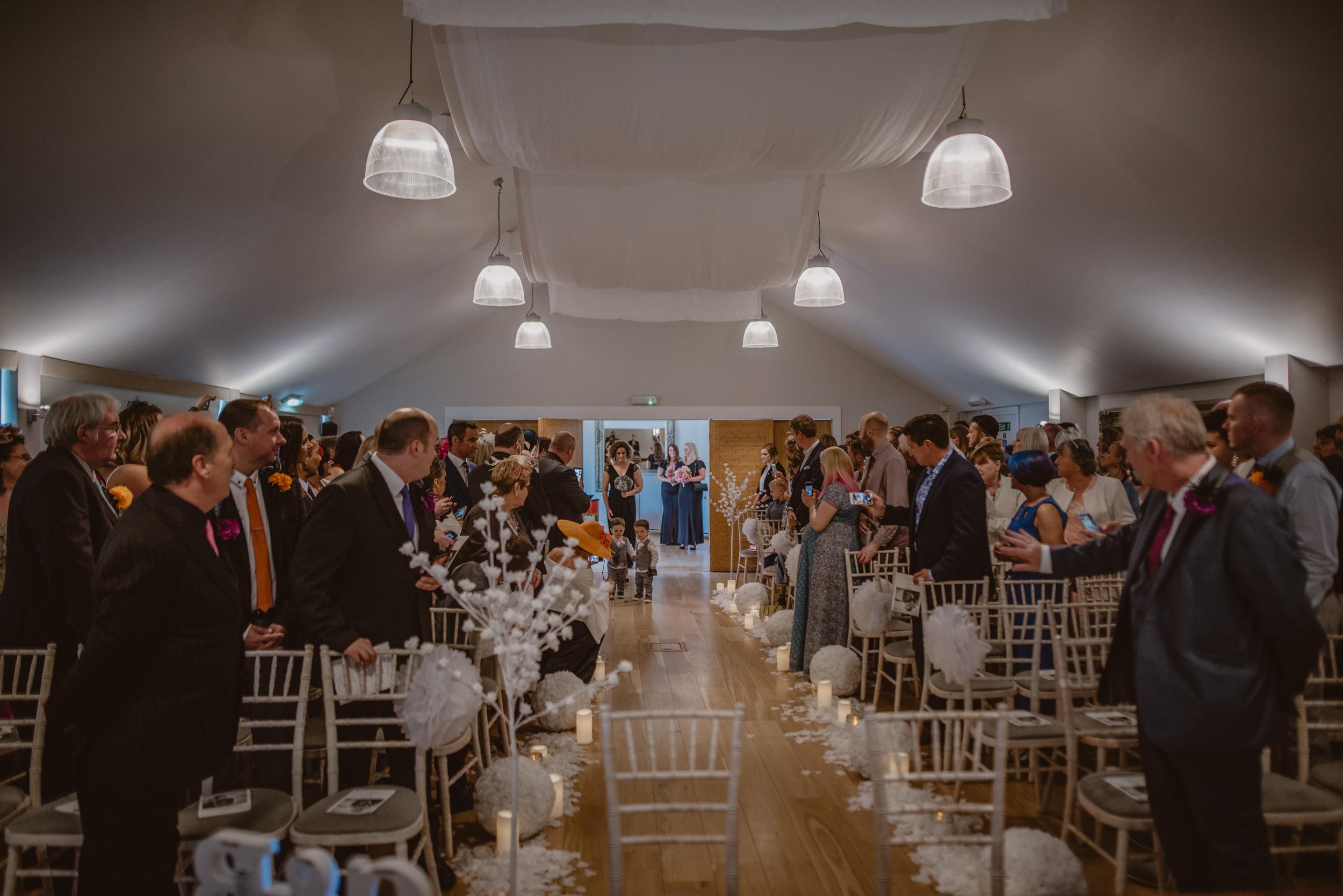 Barry-and-Chaz-wedding-Wasing-Park-Berkshire-Manu-Mendoza-Wedding-Photography-164.jpg