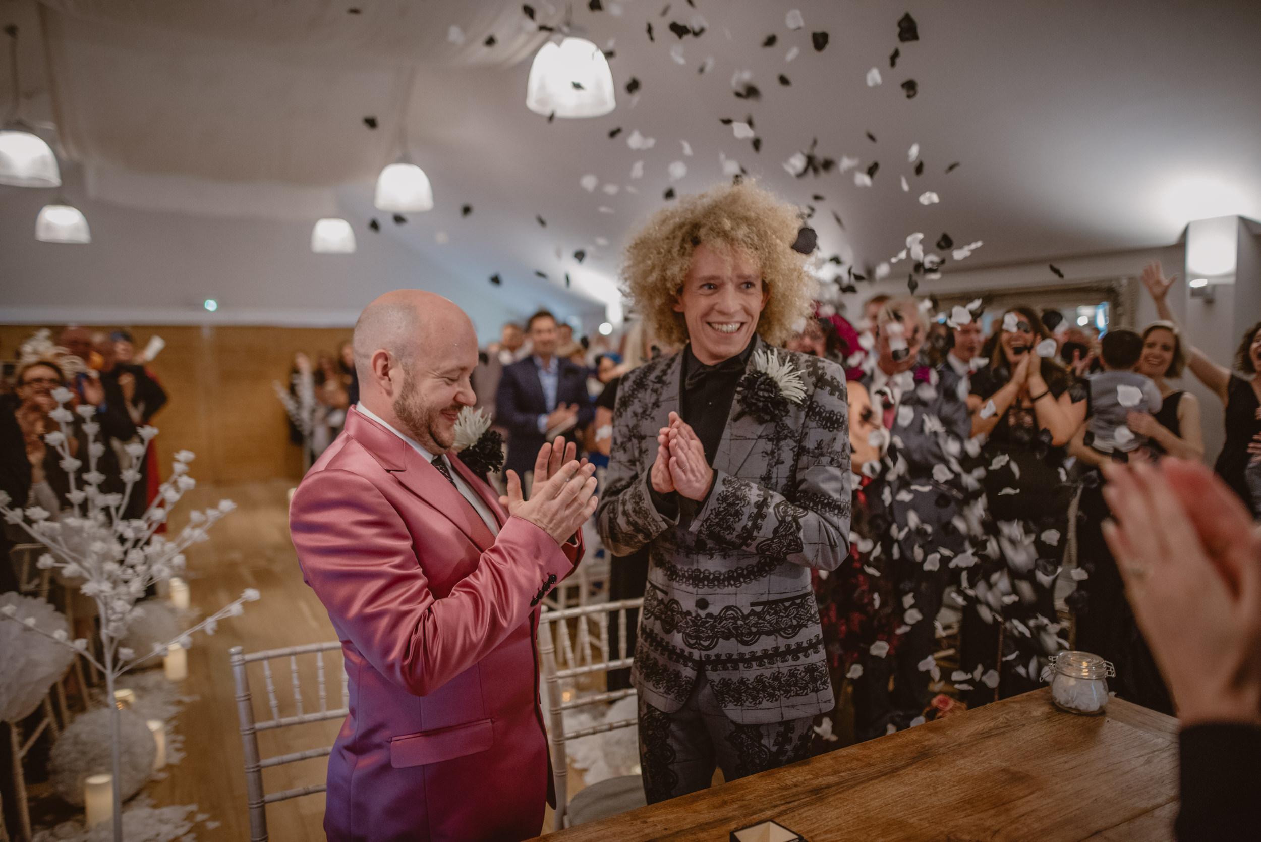 Barry-and-Chaz-wedding-Wasing-Park-Berkshire-Manu-Mendoza-Wedding-Photography-199.jpg