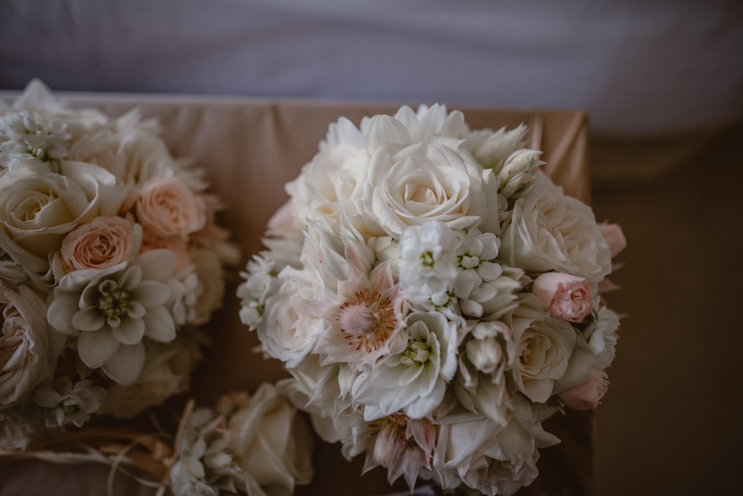 Trisha-and-Roger-wedding-The-Priory-Church-and-Chewton-Glen-Hotel-Christchurch-Manu-Mendoza-Wedding-Photography-007.jpg