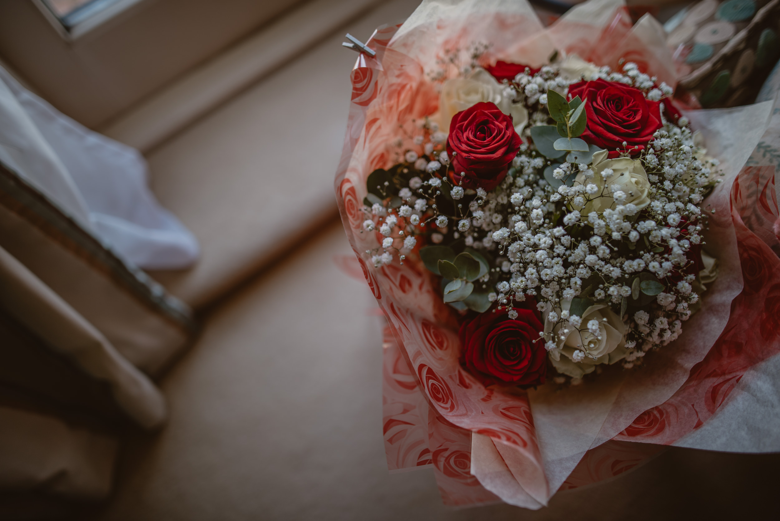 Trisha-and-Roger-wedding-The-Priory-Church-and-Chewton-Glen-Hotel-Christchurch-Manu-Mendoza-Wedding-Photography-009.jpg