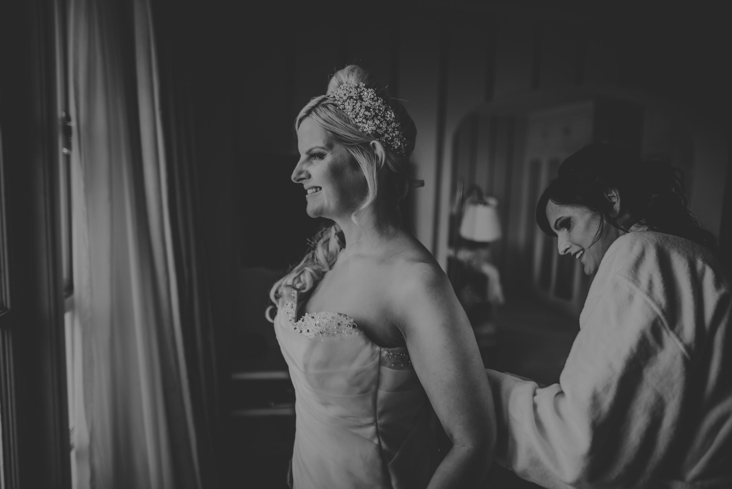 Trisha-and-Roger-wedding-The-Priory-Church-and-Chewton-Glen-Hotel-Christchurch-Manu-Mendoza-Wedding-Photography-044.jpg
