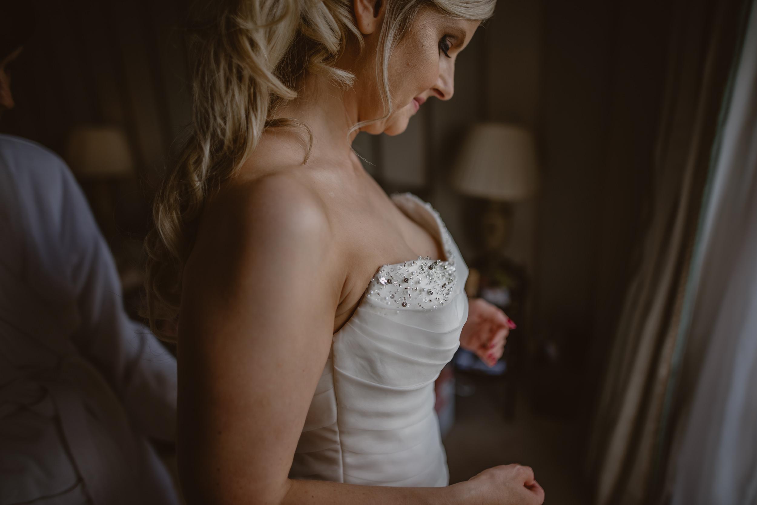 Trisha-and-Roger-wedding-The-Priory-Church-and-Chewton-Glen-Hotel-Christchurch-Manu-Mendoza-Wedding-Photography-056.jpg