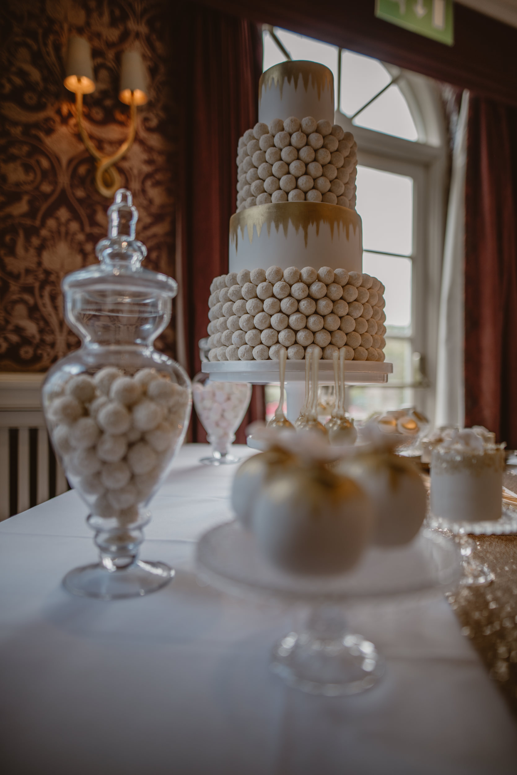 Trisha-and-Roger-wedding-The-Priory-Church-and-Chewton-Glen-Hotel-Christchurch-Manu-Mendoza-Wedding-Photography-256.jpg