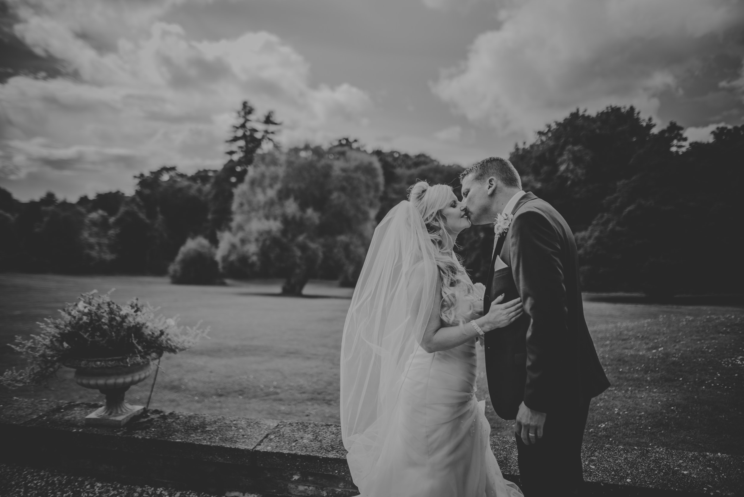 Trisha-and-Roger-wedding-The-Priory-Church-and-Chewton-Glen-Hotel-Christchurch-Manu-Mendoza-Wedding-Photography-307.jpg