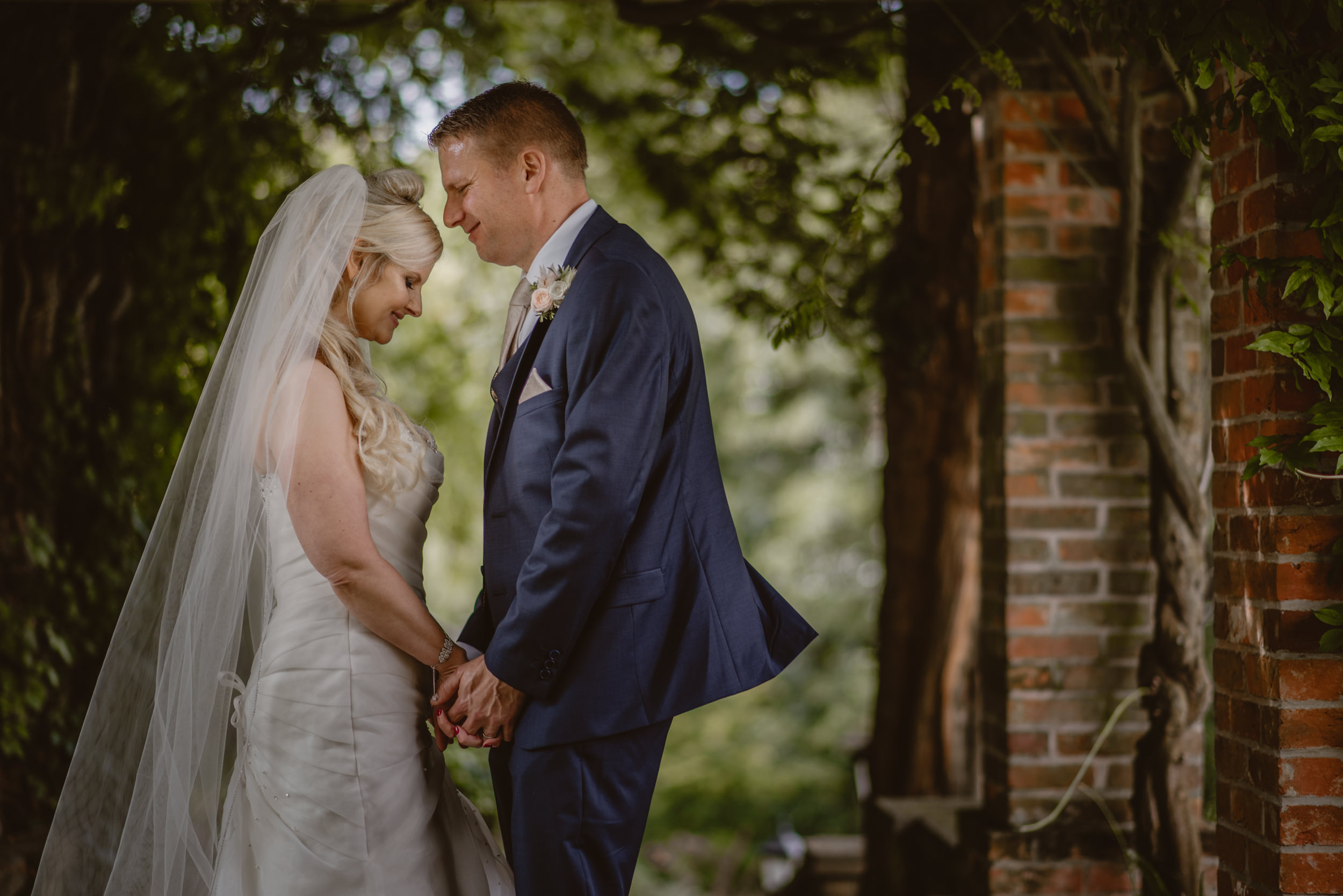 Trisha-and-Roger-wedding-The-Priory-Church-and-Chewton-Glen-Hotel-Christchurch-Manu-Mendoza-Wedding-Photography-320.jpg