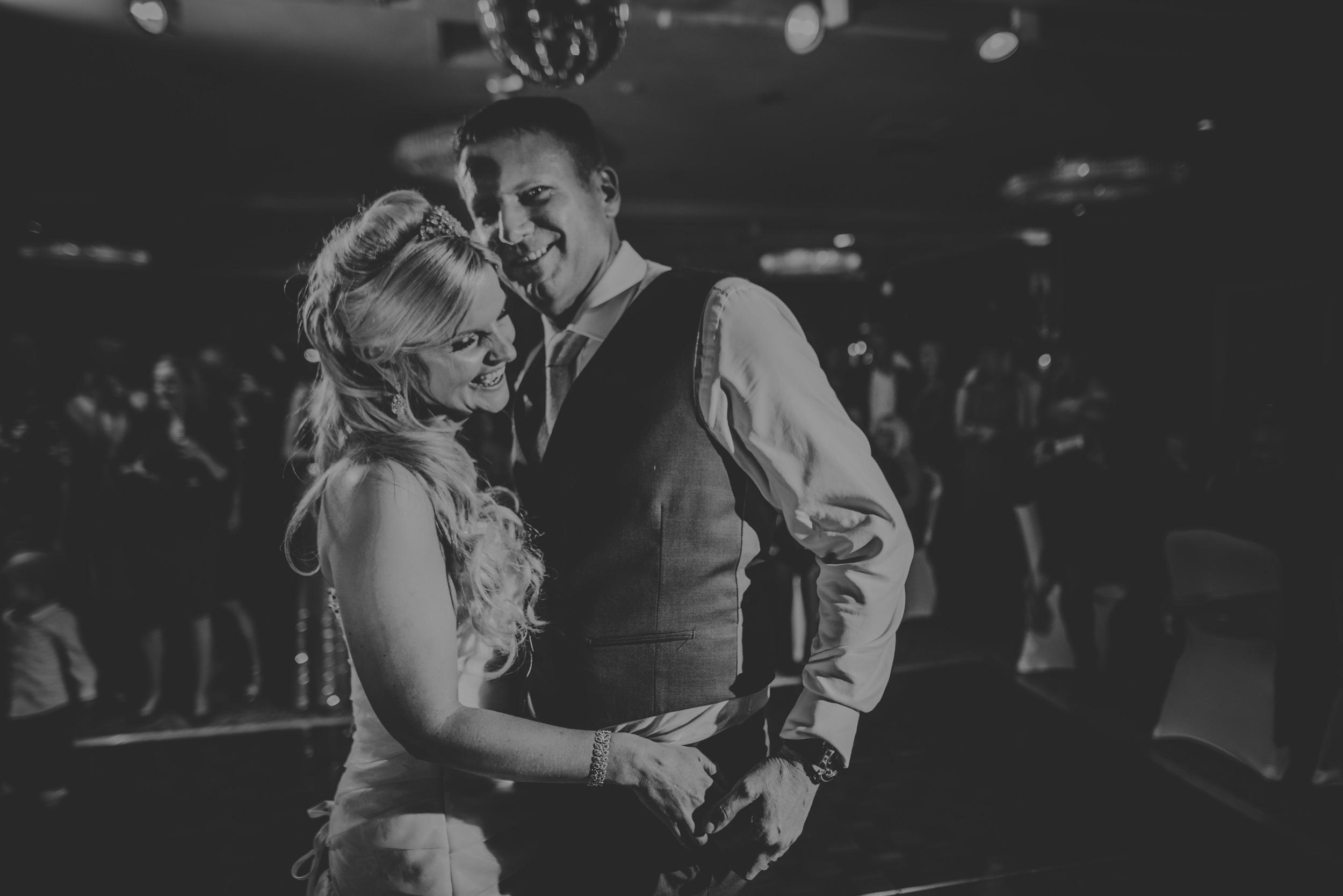 Trisha-and-Roger-wedding-The-Priory-Church-and-Chewton-Glen-Hotel-Christchurch-Manu-Mendoza-Wedding-Photography-514.jpg