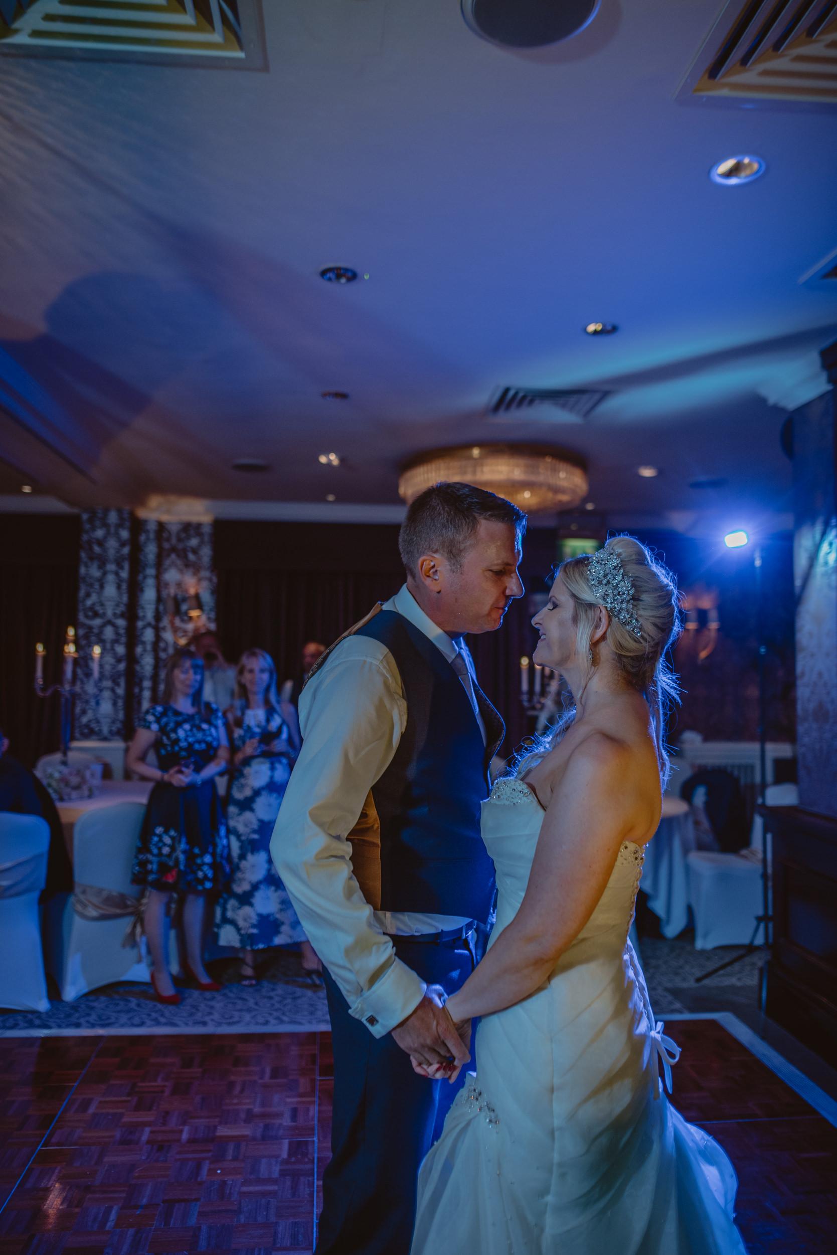 Trisha-and-Roger-wedding-The-Priory-Church-and-Chewton-Glen-Hotel-Christchurch-Manu-Mendoza-Wedding-Photography-507.jpg