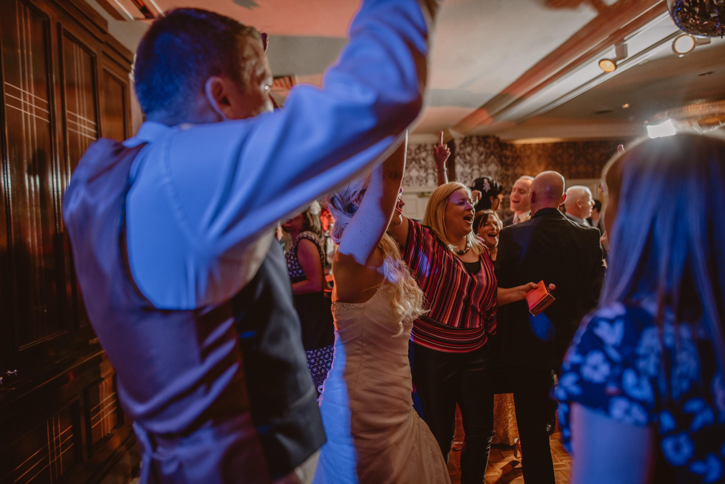 Trisha-and-Roger-wedding-The-Priory-Church-and-Chewton-Glen-Hotel-Christchurch-Manu-Mendoza-Wedding-Photography-525.jpg