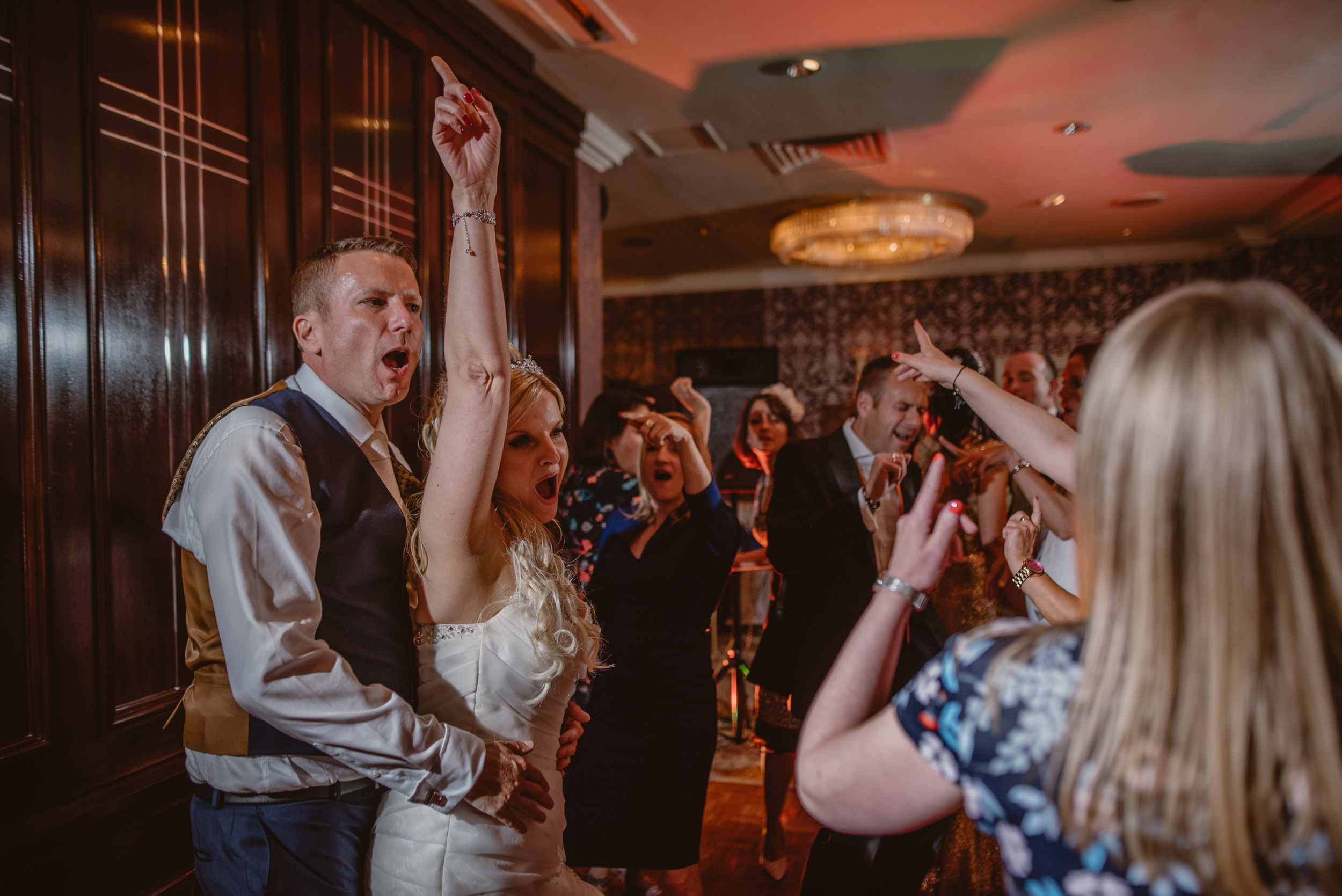 Trisha-and-Roger-wedding-The-Priory-Church-and-Chewton-Glen-Hotel-Christchurch-Manu-Mendoza-Wedding-Photography-531.jpg