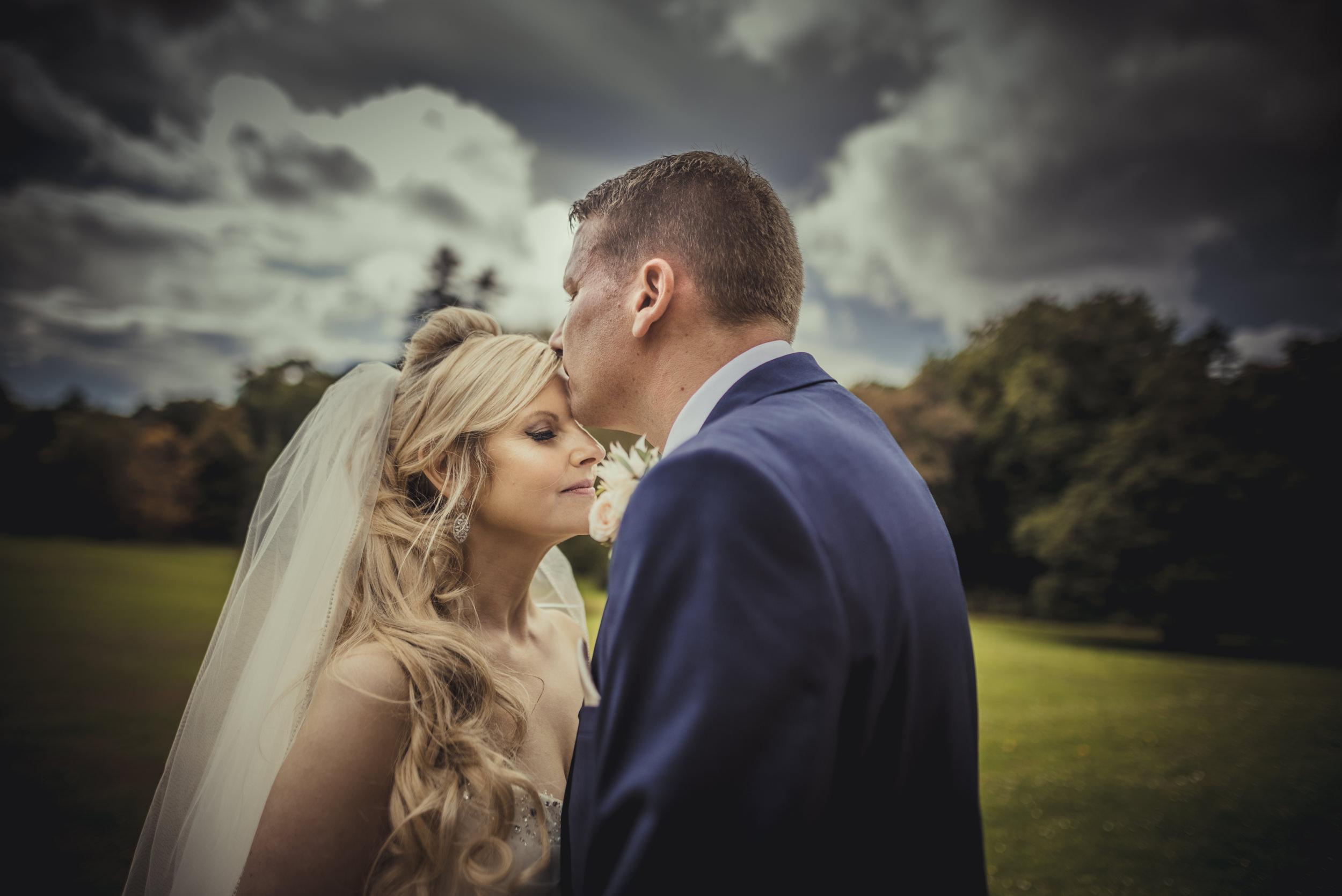 Trisha-and-Roger-wedding-The-Priory-Church-and-Chewton-Glen-Hotel-Christchurch-Manu-Mendoza-Wedding-Photography-549.jpg