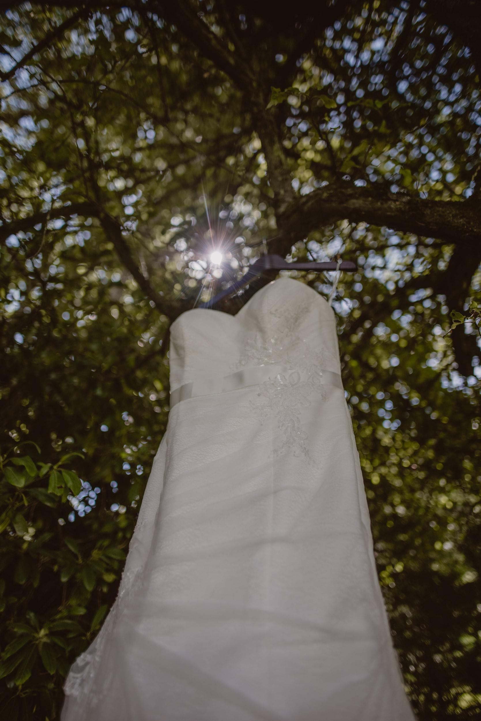 Chantelle-and-Stephen-Old-Thorns-Hotel-Wedding-Liphook-Manu-Mendoza-Wedding-Photography-069.jpg