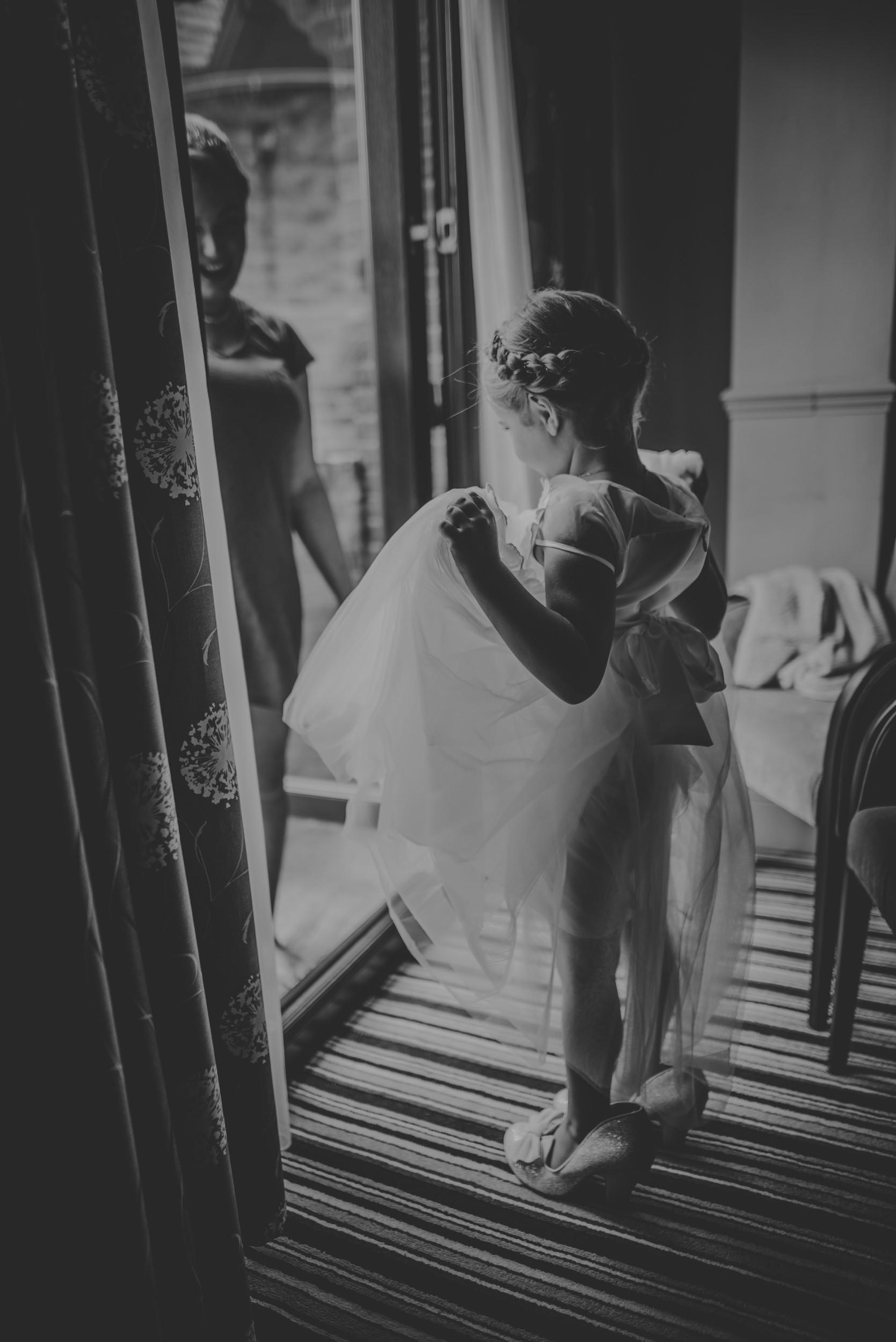 Chantelle-and-Stephen-Old-Thorns-Hotel-Wedding-Liphook-Manu-Mendoza-Wedding-Photography-115.jpg