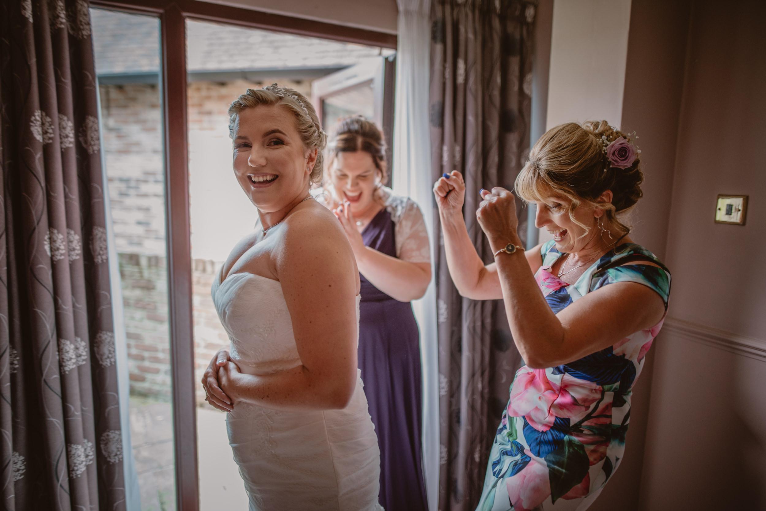 Chantelle-and-Stephen-Old-Thorns-Hotel-Wedding-Liphook-Manu-Mendoza-Wedding-Photography-125.jpg