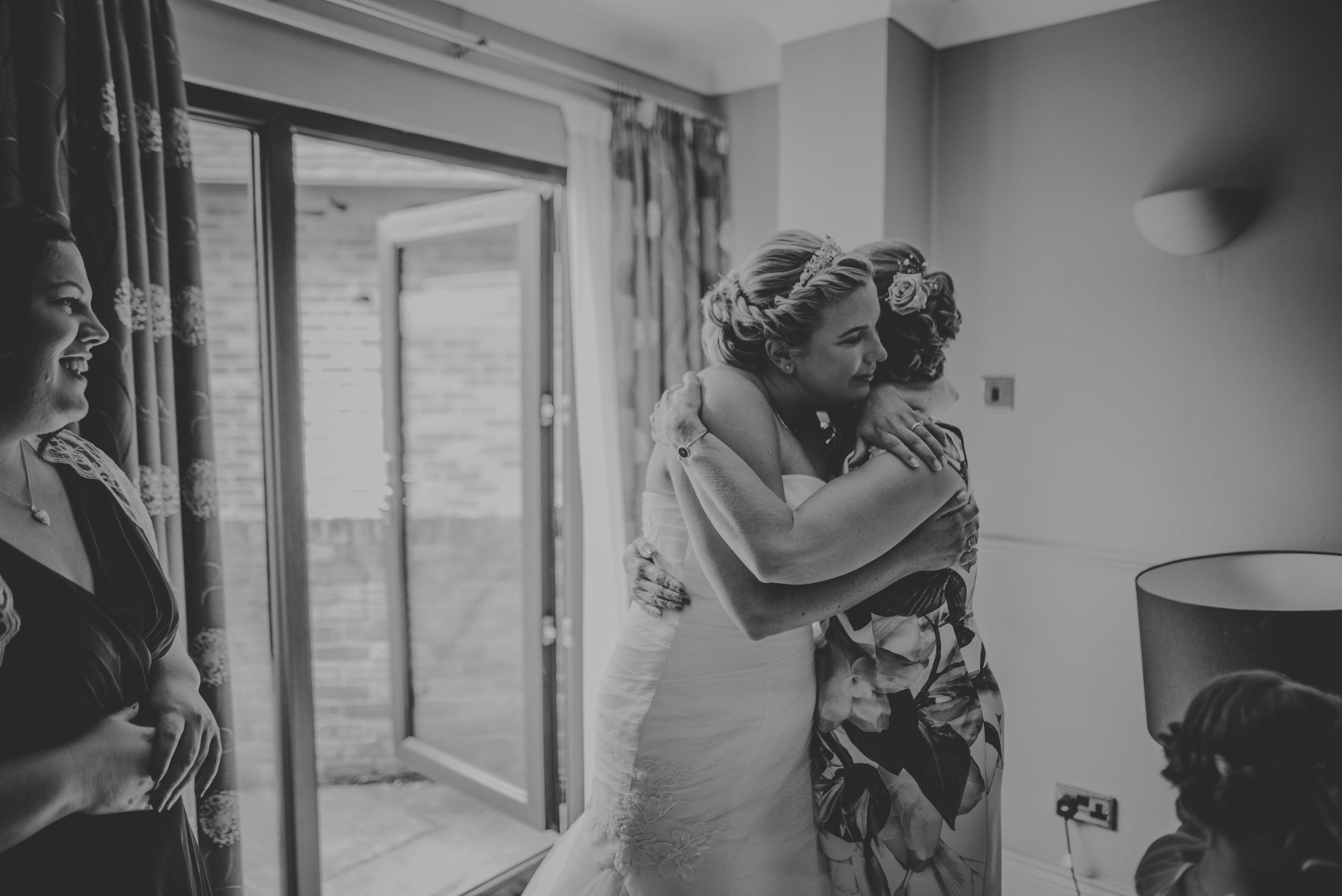 Chantelle-and-Stephen-Old-Thorns-Hotel-Wedding-Liphook-Manu-Mendoza-Wedding-Photography-129.jpg