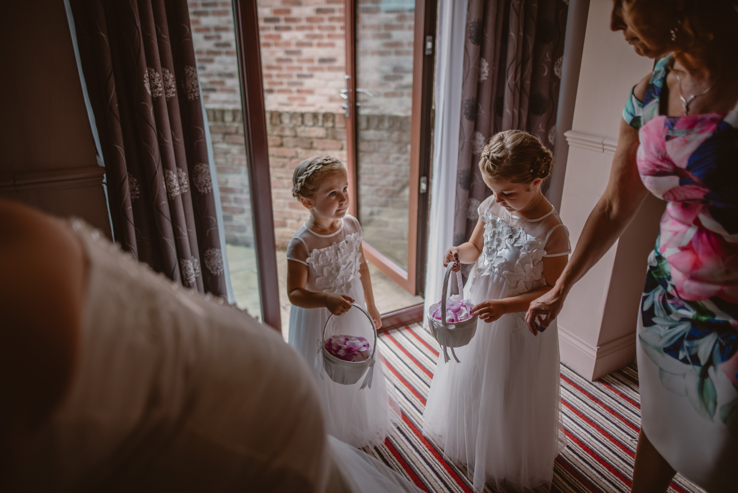 Chantelle-and-Stephen-Old-Thorns-Hotel-Wedding-Liphook-Manu-Mendoza-Wedding-Photography-132.jpg