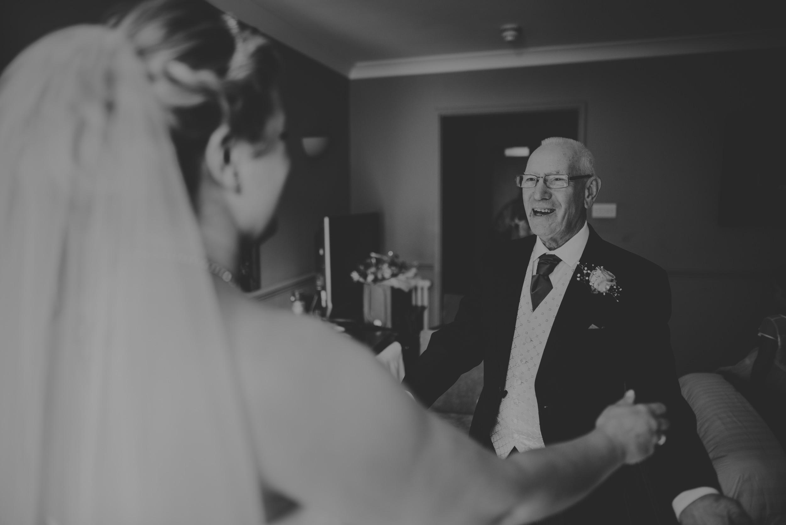 Chantelle-and-Stephen-Old-Thorns-Hotel-Wedding-Liphook-Manu-Mendoza-Wedding-Photography-138.jpg