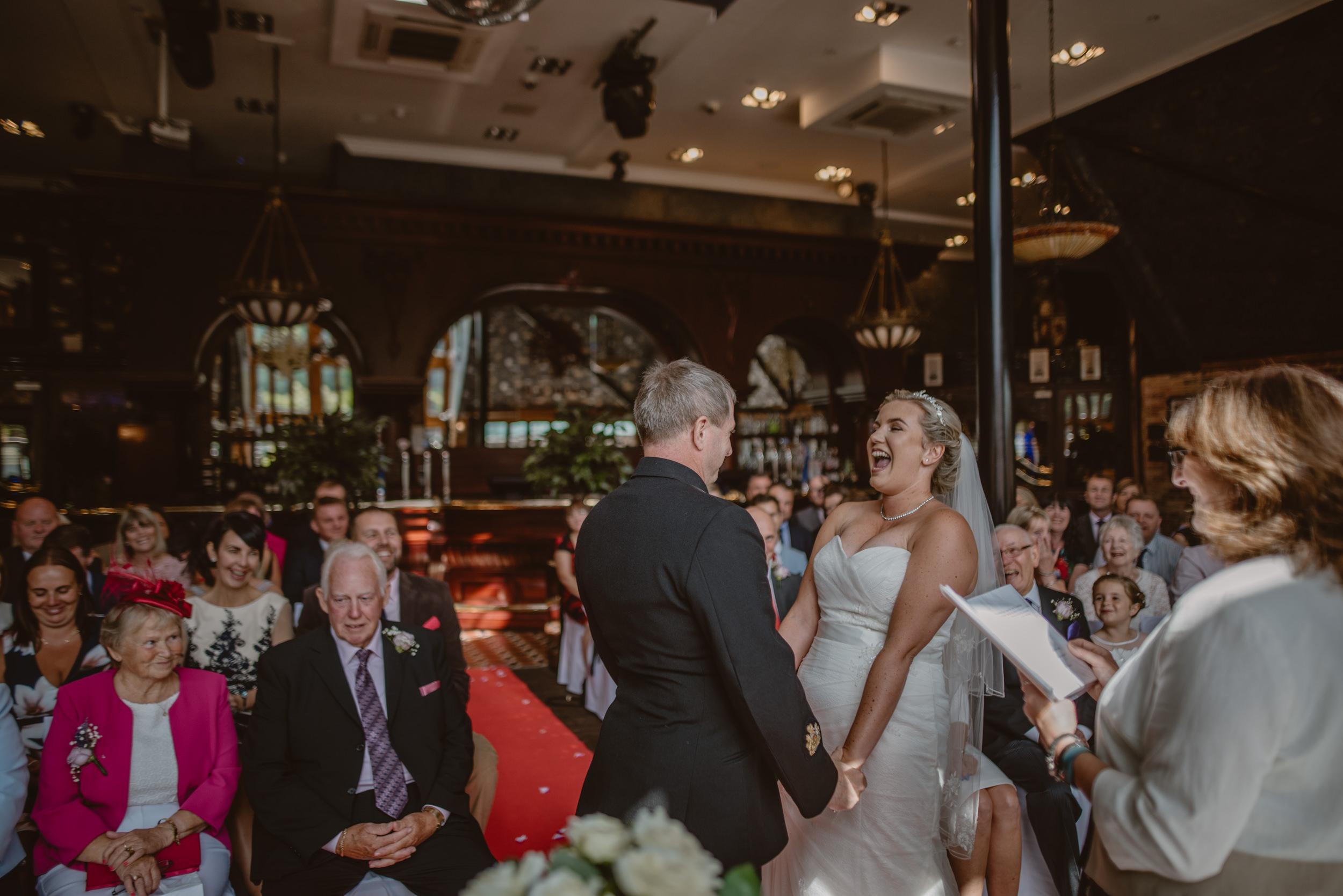 Chantelle-and-Stephen-Old-Thorns-Hotel-Wedding-Liphook-Manu-Mendoza-Wedding-Photography-206.jpg