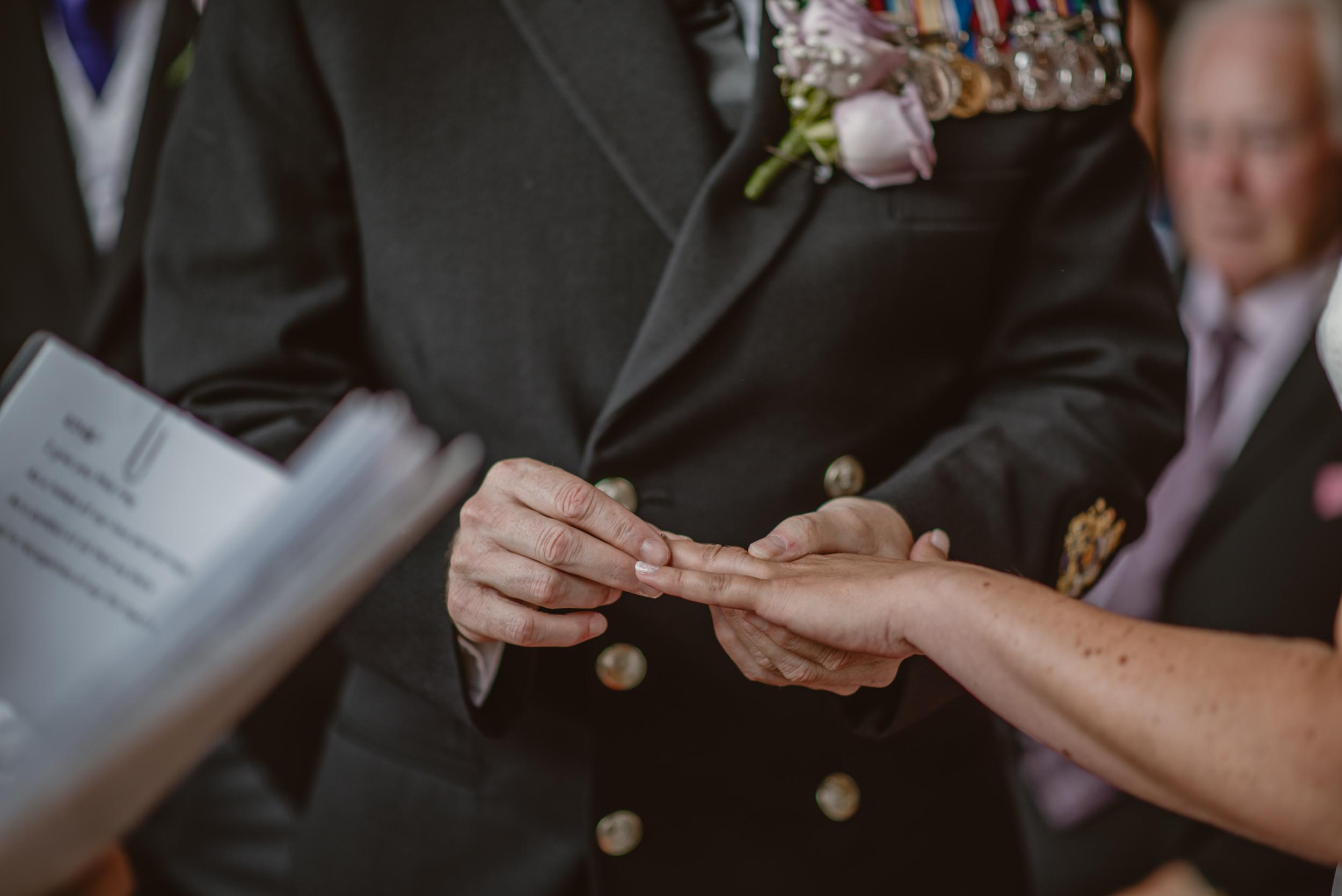 Chantelle-and-Stephen-Old-Thorns-Hotel-Wedding-Liphook-Manu-Mendoza-Wedding-Photography-219.jpg