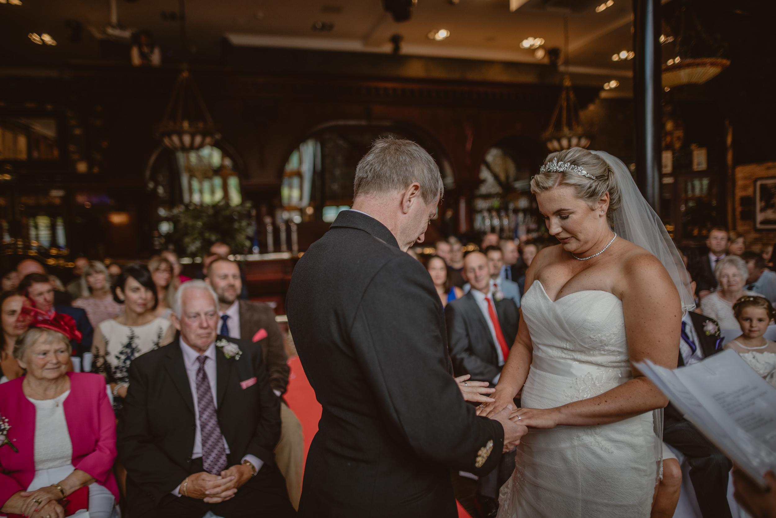 Chantelle-and-Stephen-Old-Thorns-Hotel-Wedding-Liphook-Manu-Mendoza-Wedding-Photography-223.jpg
