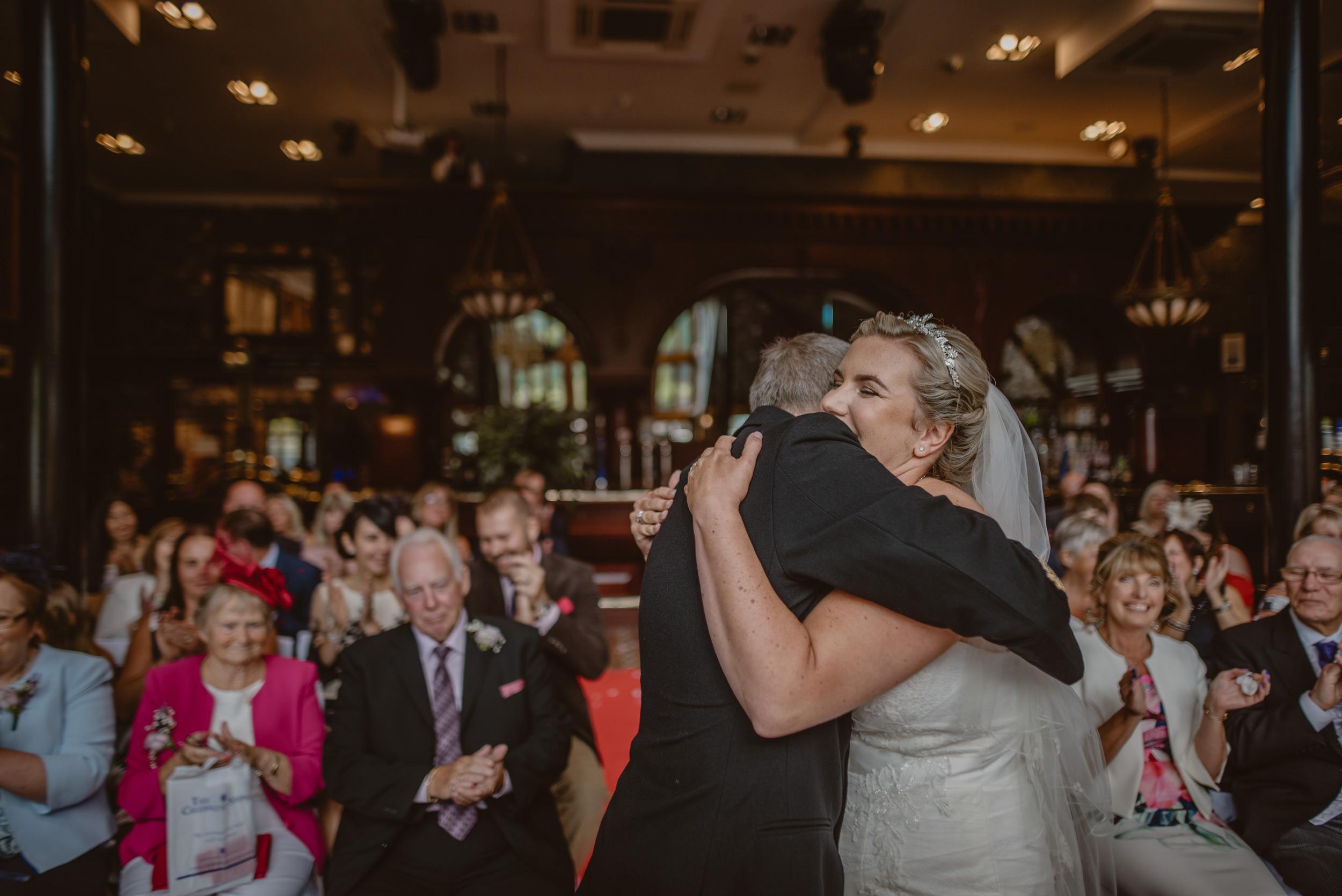 Chantelle-and-Stephen-Old-Thorns-Hotel-Wedding-Liphook-Manu-Mendoza-Wedding-Photography-230.jpg