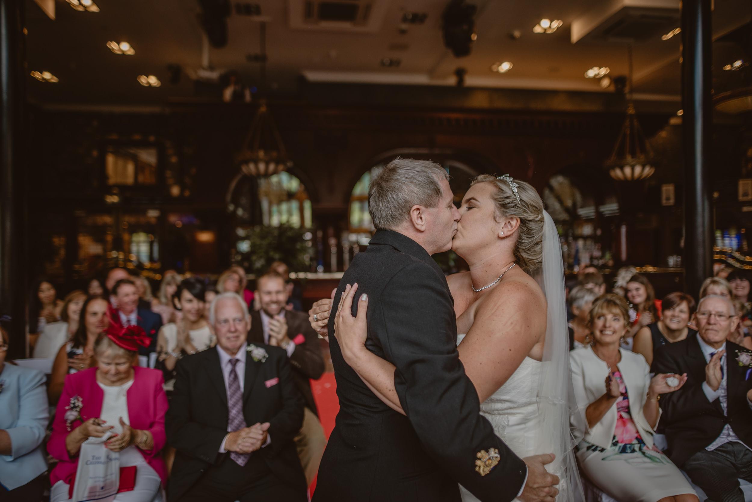 Chantelle-and-Stephen-Old-Thorns-Hotel-Wedding-Liphook-Manu-Mendoza-Wedding-Photography-232.jpg
