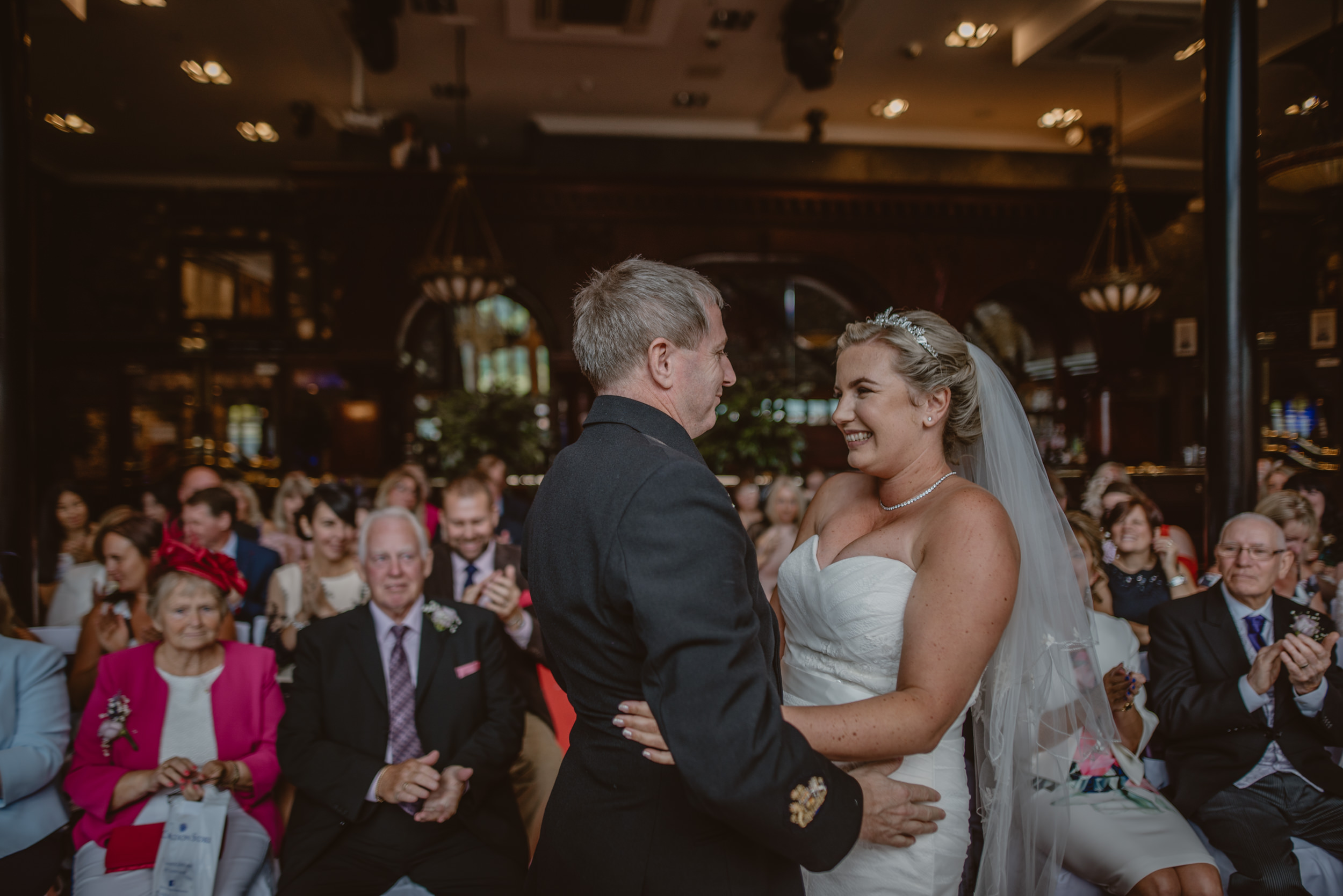 Chantelle-and-Stephen-Old-Thorns-Hotel-Wedding-Liphook-Manu-Mendoza-Wedding-Photography-234.jpg