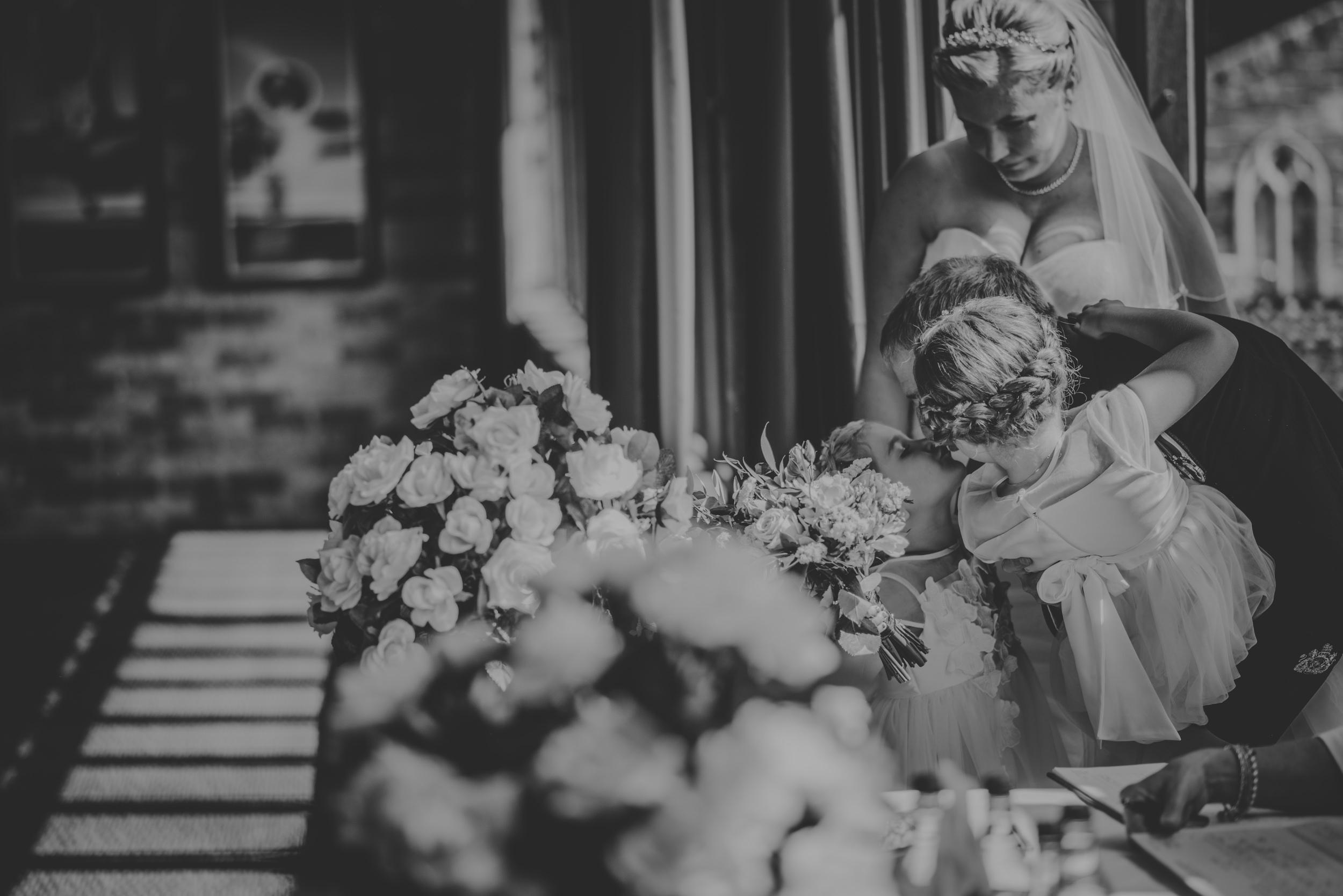 Chantelle-and-Stephen-Old-Thorns-Hotel-Wedding-Liphook-Manu-Mendoza-Wedding-Photography-239.jpg