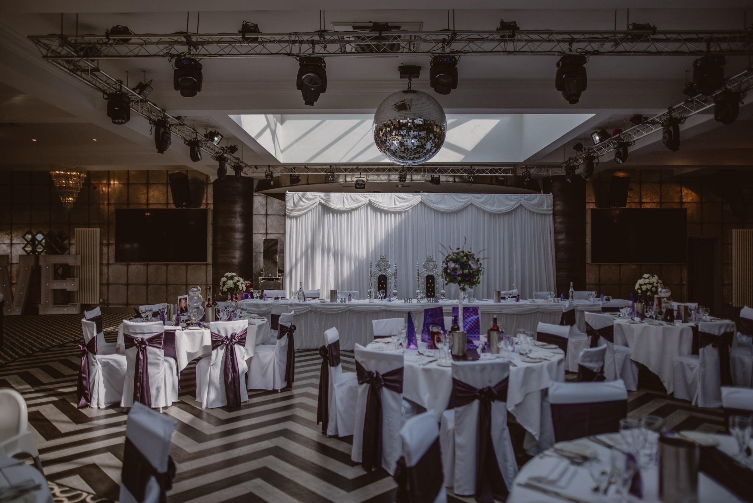 Chantelle-and-Stephen-Old-Thorns-Hotel-Wedding-Liphook-Manu-Mendoza-Wedding-Photography-330.jpg