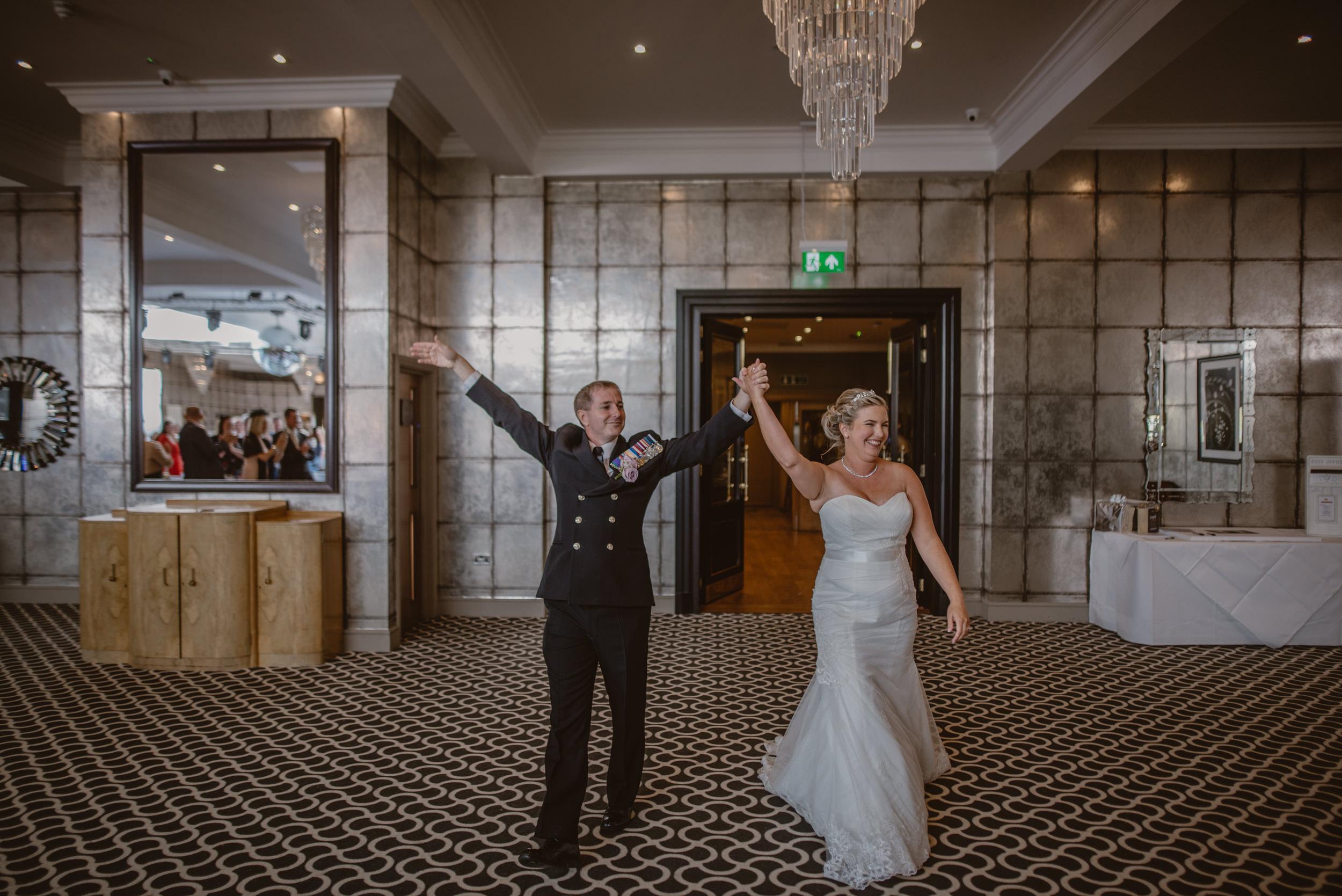 Chantelle-and-Stephen-Old-Thorns-Hotel-Wedding-Liphook-Manu-Mendoza-Wedding-Photography-340.jpg