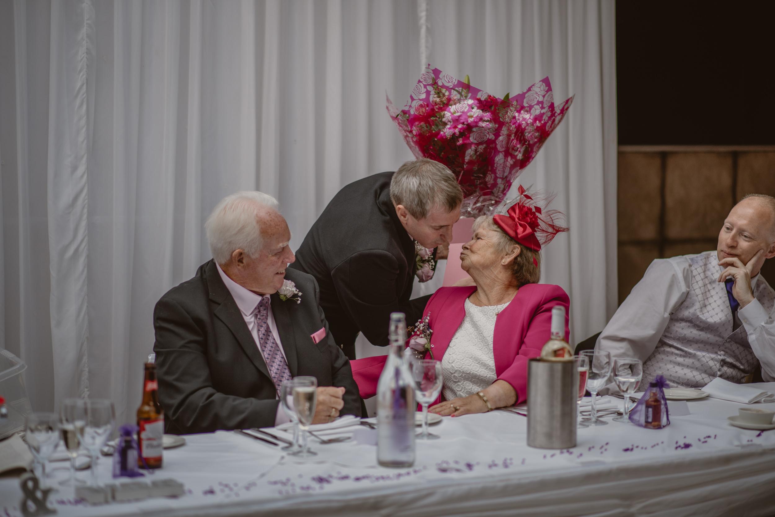 Chantelle-and-Stephen-Old-Thorns-Hotel-Wedding-Liphook-Manu-Mendoza-Wedding-Photography-391.jpg