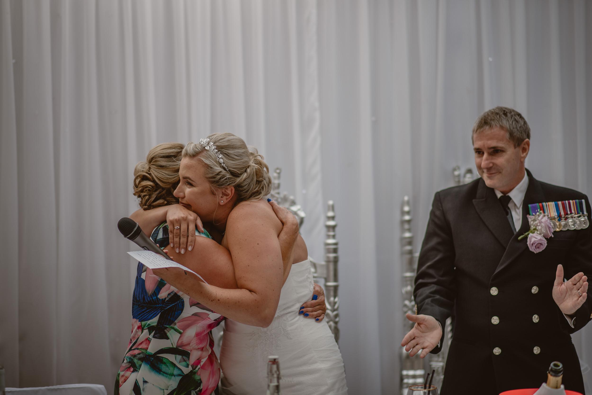 Chantelle-and-Stephen-Old-Thorns-Hotel-Wedding-Liphook-Manu-Mendoza-Wedding-Photography-400.jpg