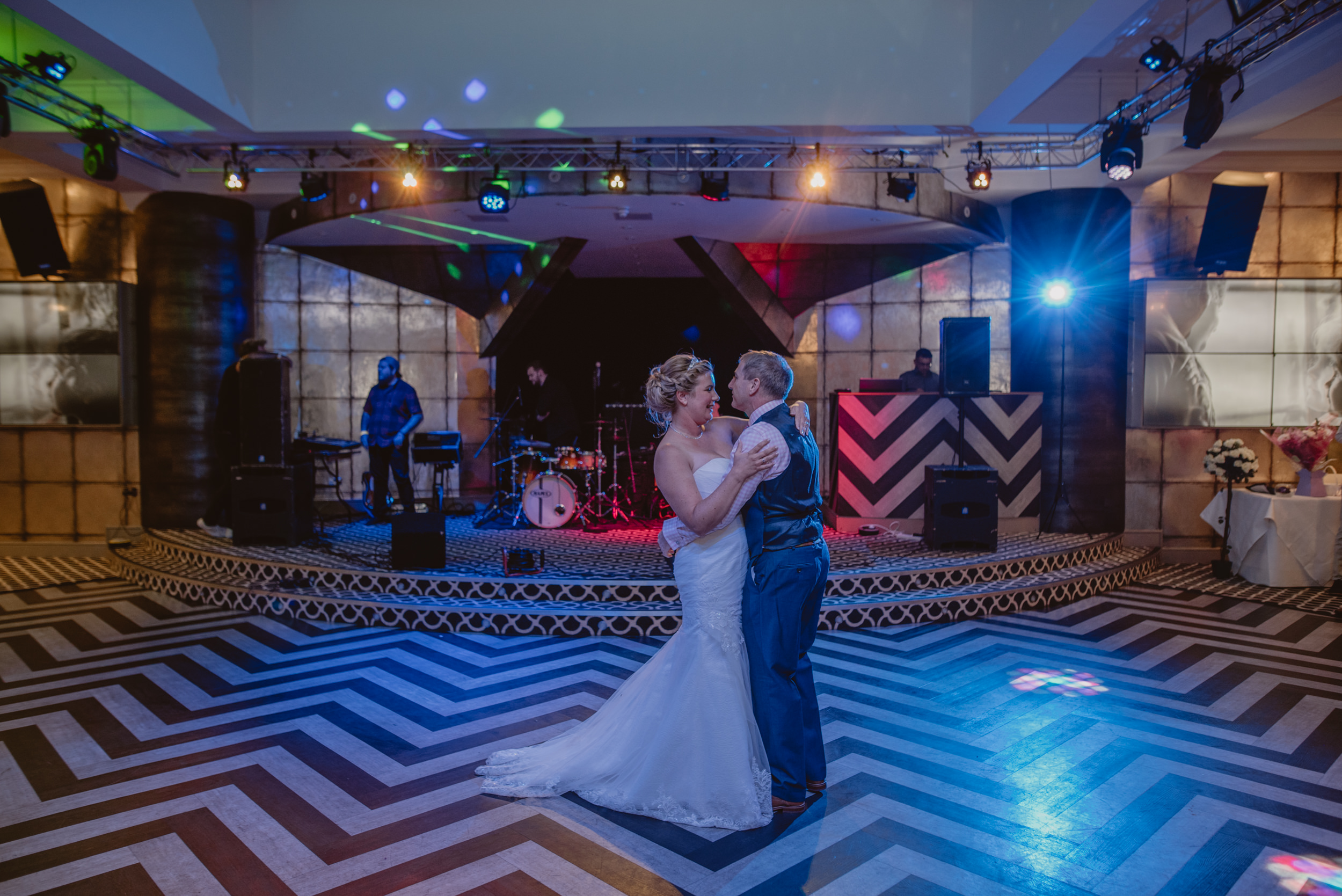 Chantelle-and-Stephen-Old-Thorns-Hotel-Wedding-Liphook-Manu-Mendoza-Wedding-Photography-531.jpg