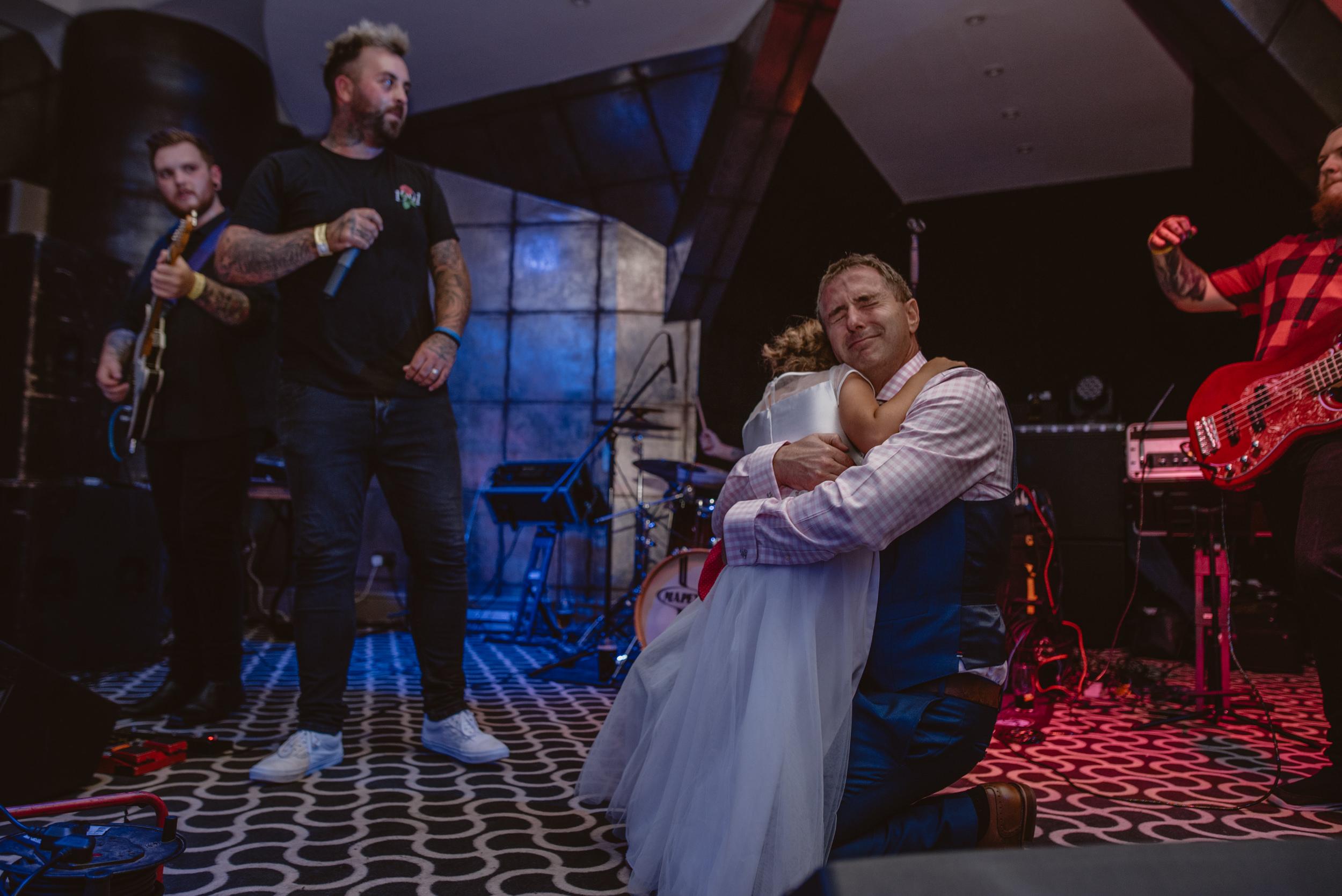 Chantelle-and-Stephen-Old-Thorns-Hotel-Wedding-Liphook-Manu-Mendoza-Wedding-Photography-651.jpg