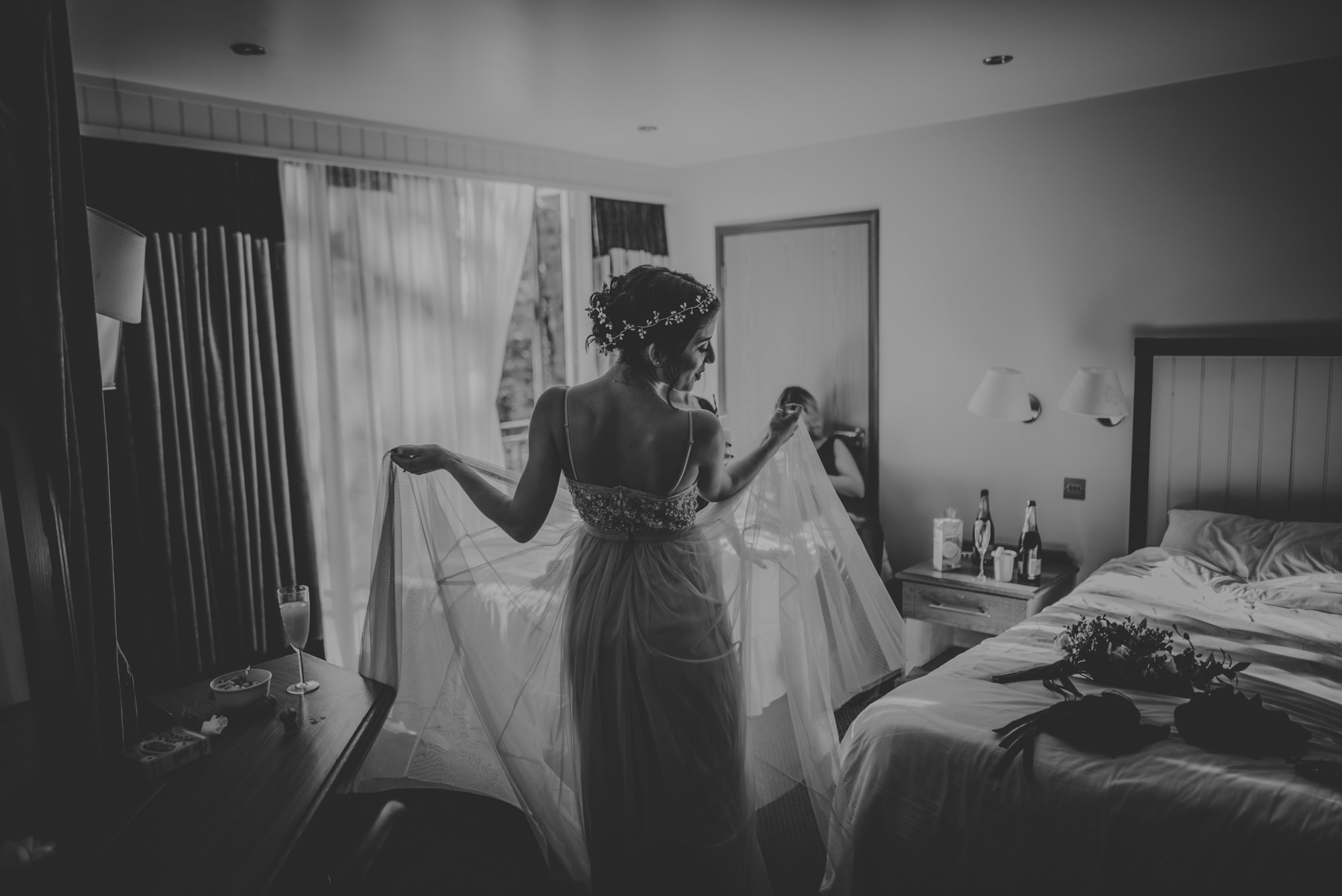 Marissa-and-Ash-Wedding-at-Winchester-Guildhall-and-The-Meade-Hall-Hampshire-Manu-Mendoza-Wedding-Photography-189.jpg
