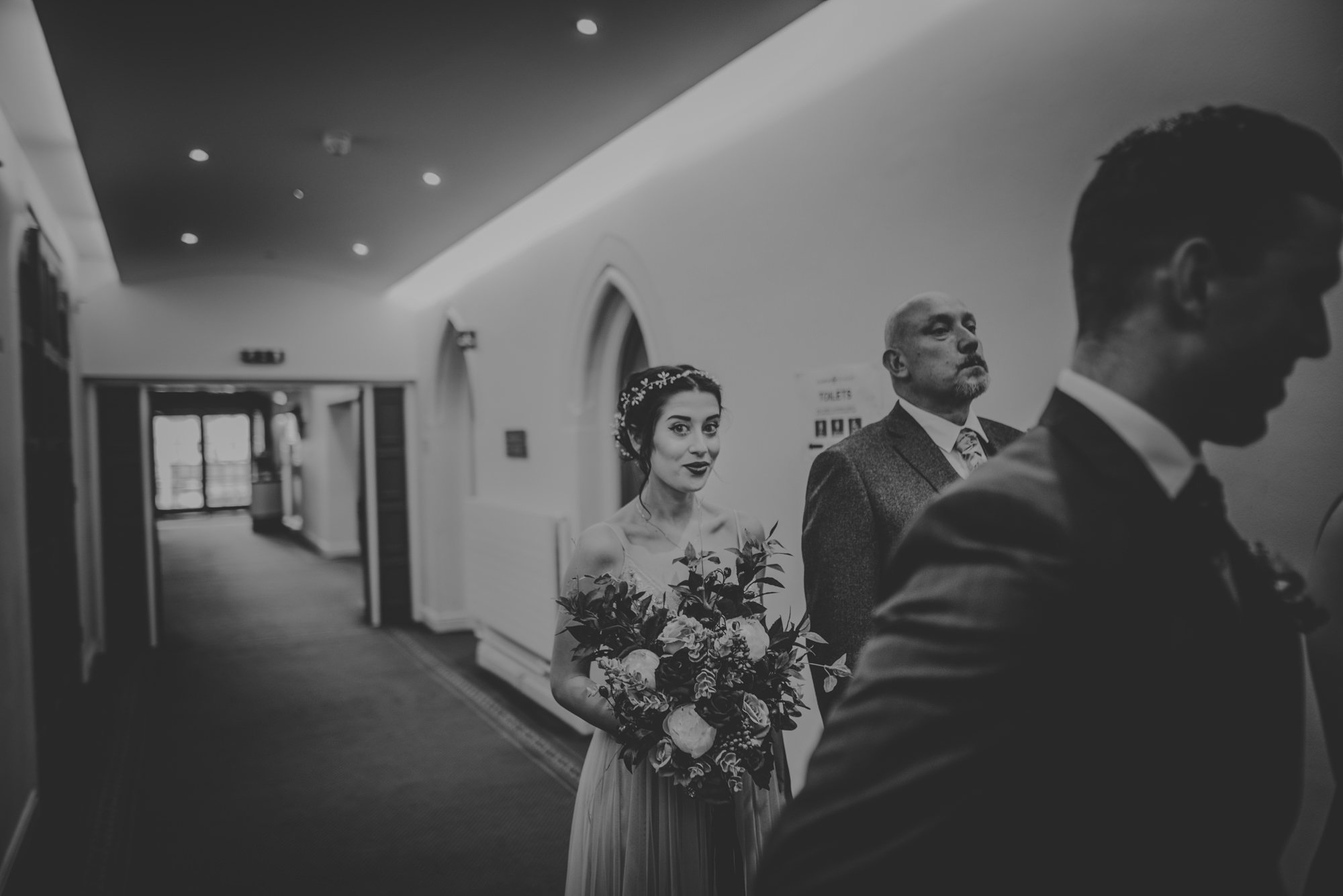 Marissa-and-Ash-Wedding-at-Winchester-Guildhall-and-The-Meade-Hall-Hampshire-Manu-Mendoza-Wedding-Photography-250.jpg