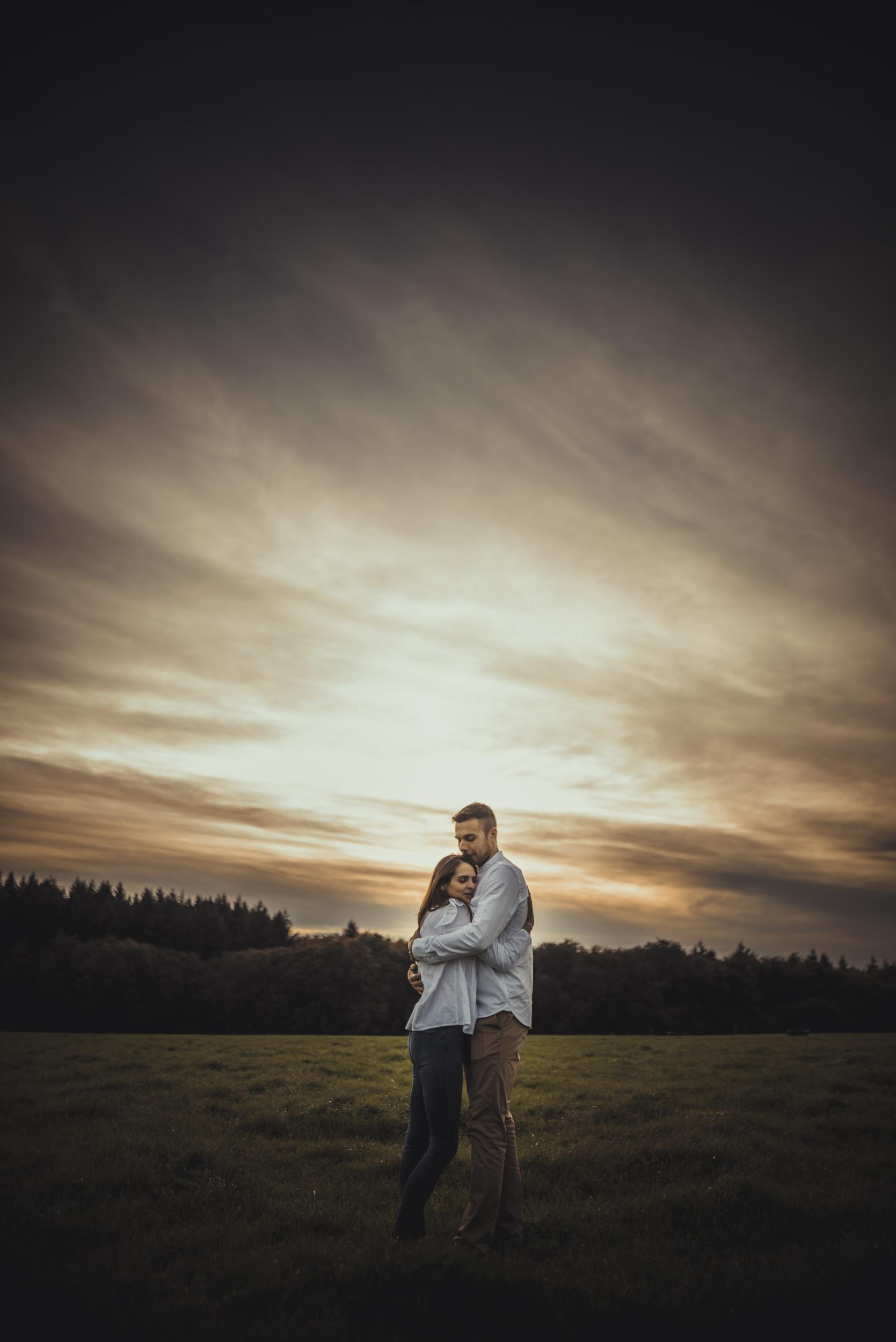 Emma-and-Jon-engagement-session-Fair-Oak-Manu-Mendoza-Wedding-Photography-066.jpg