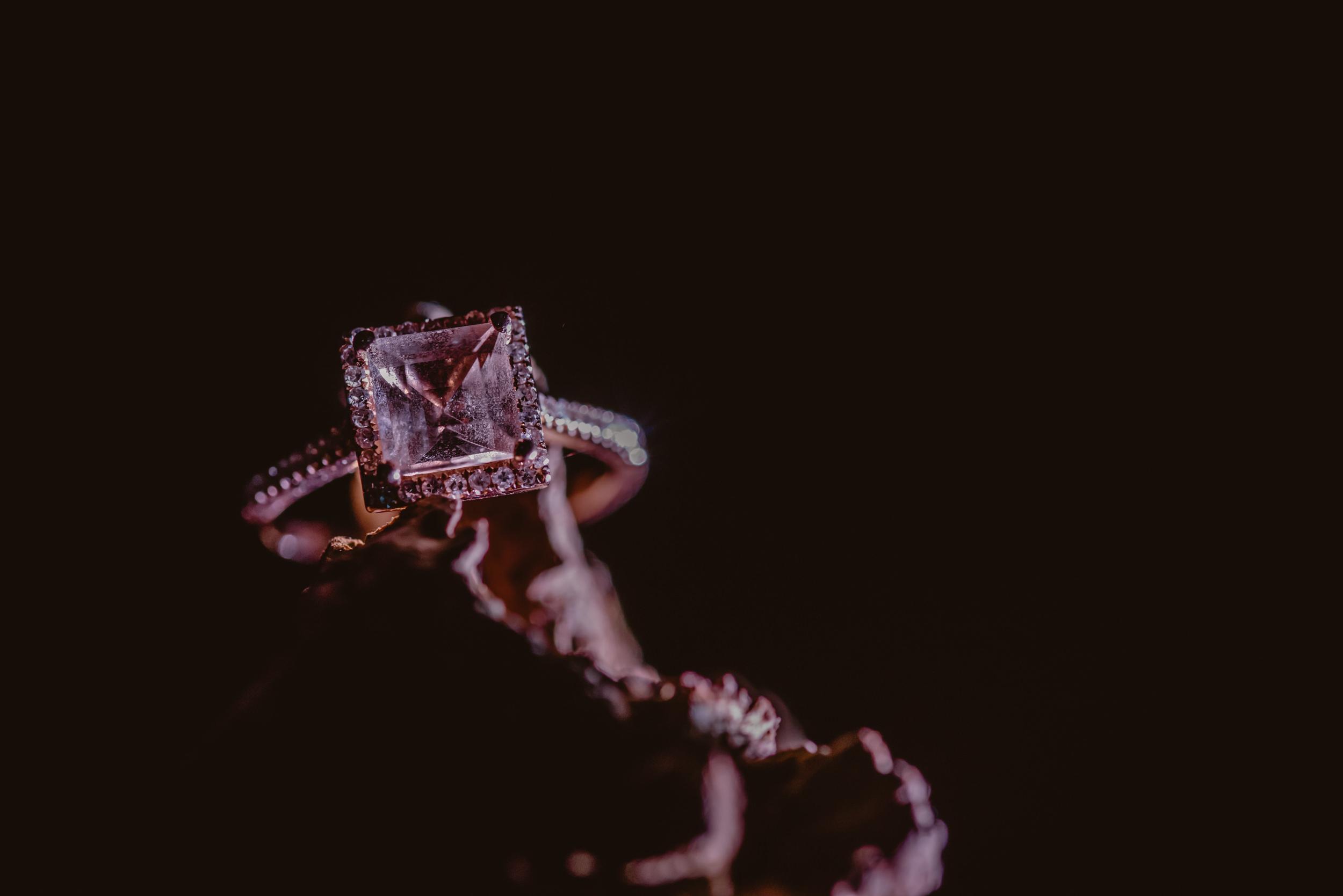 Emma-and-Jon-engagement-session-Fair-Oak-Manu-Mendoza-Wedding-Photography-081.jpg