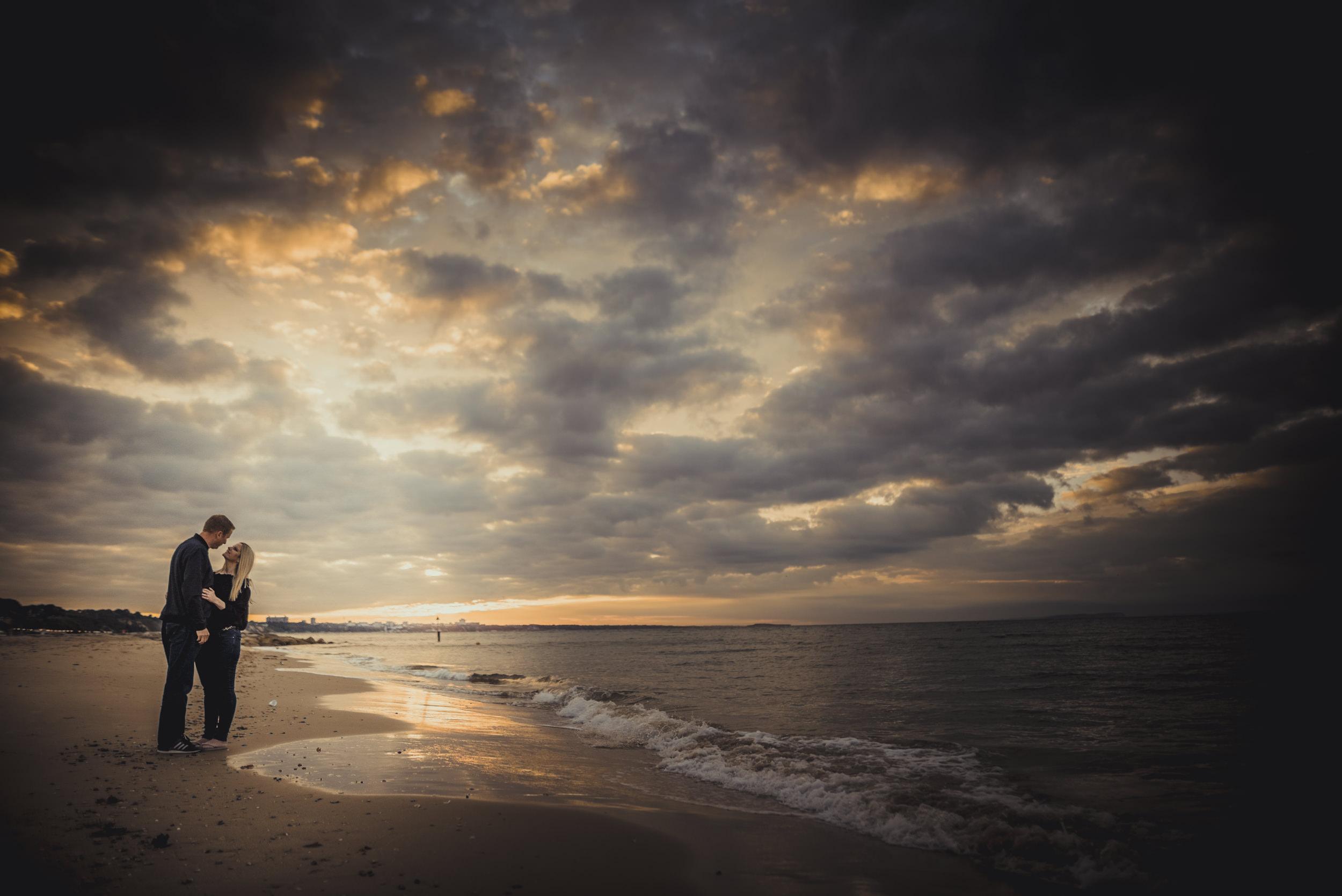 Trisha-and-Robert-Engagement-session-Sandbanks-beach-Poole-Manu-Mendoza-Wedding-Photography-005.jpg