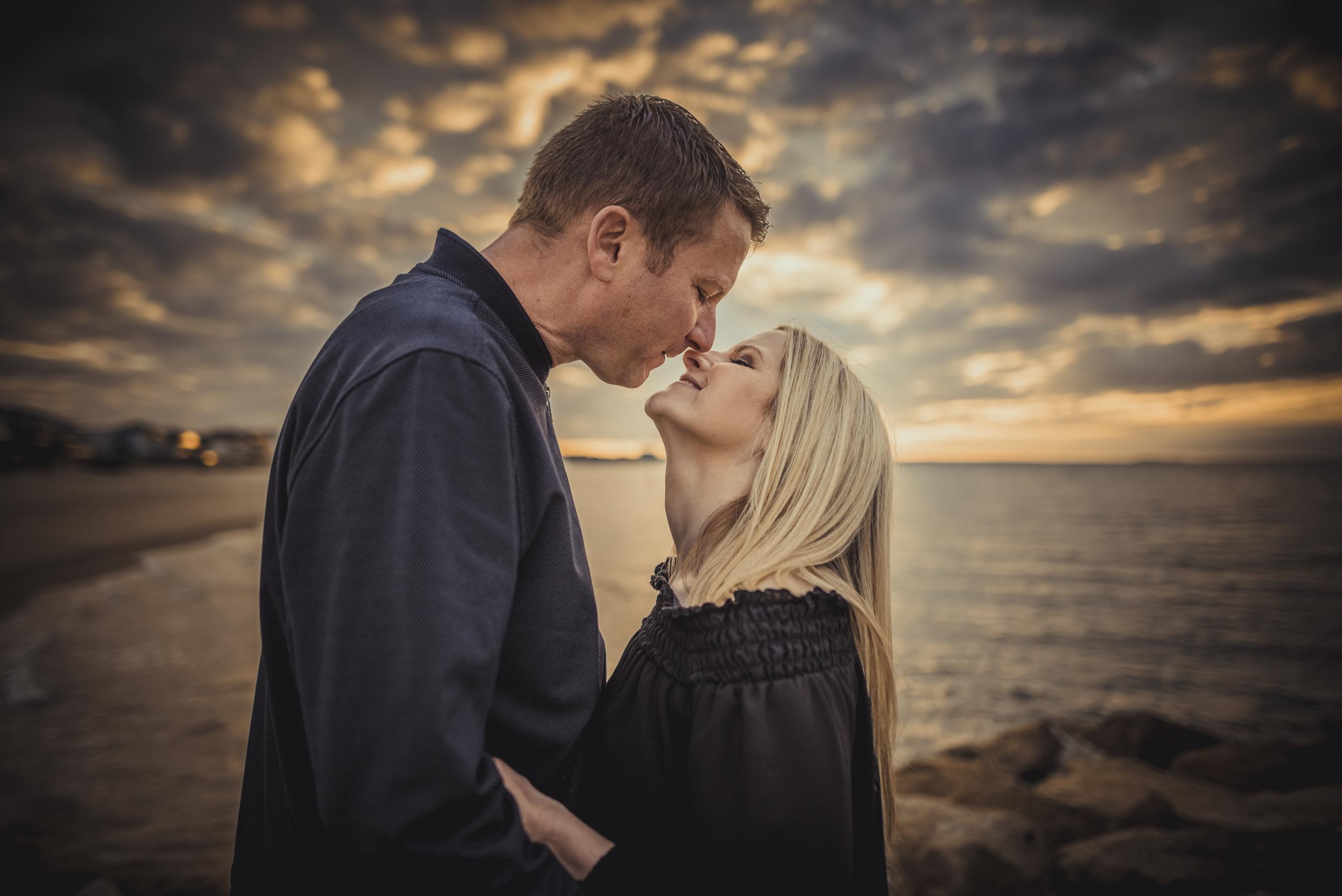 Trisha-and-Robert-Engagement-session-Sandbanks-beach-Poole-Manu-Mendoza-Wedding-Photography-022.jpg