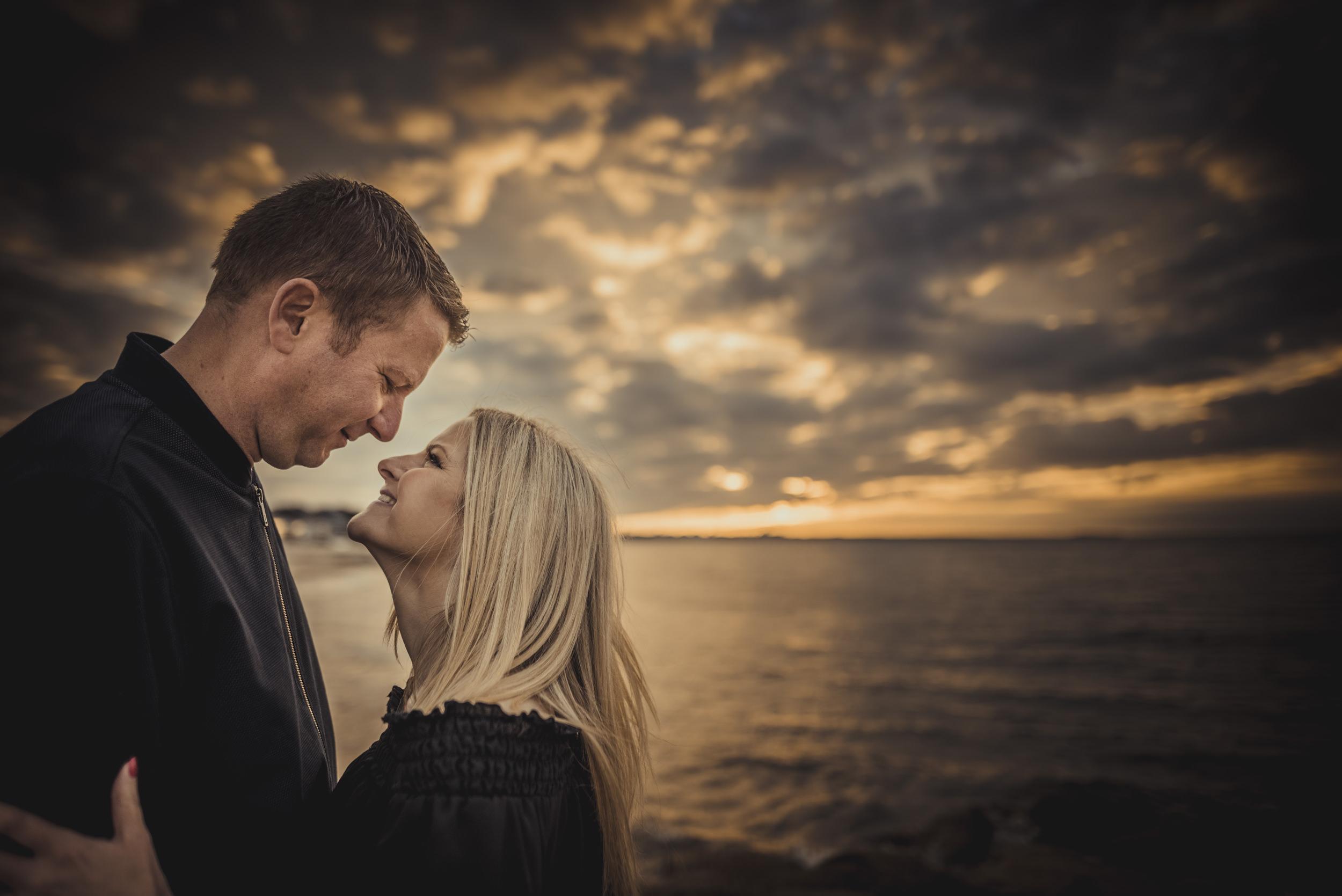 Trisha-and-Robert-Engagement-session-Sandbanks-beach-Poole-Manu-Mendoza-Wedding-Photography-026.jpg