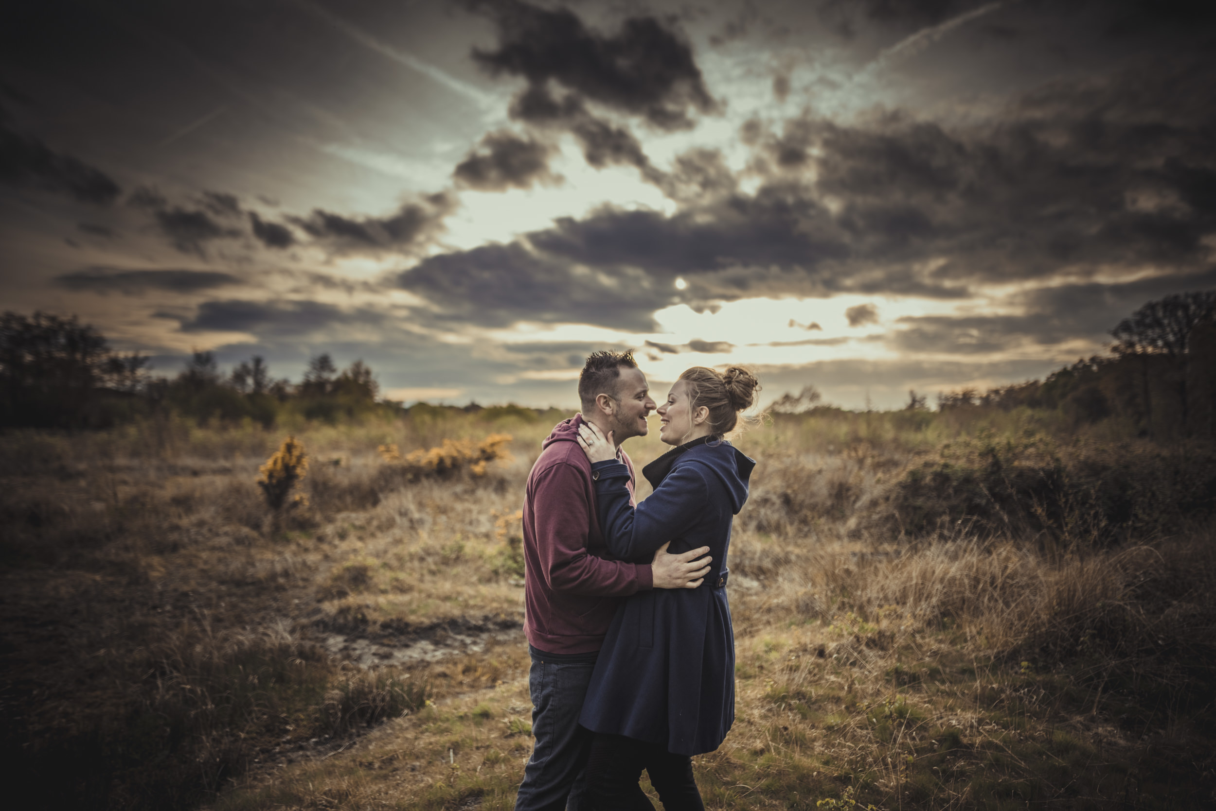 Hannah-and-Sam-Engagement-Sesion-in-Fleet-Pond-Hampshire-Manu-Mendoza-Wedding-Photography-061.jpg