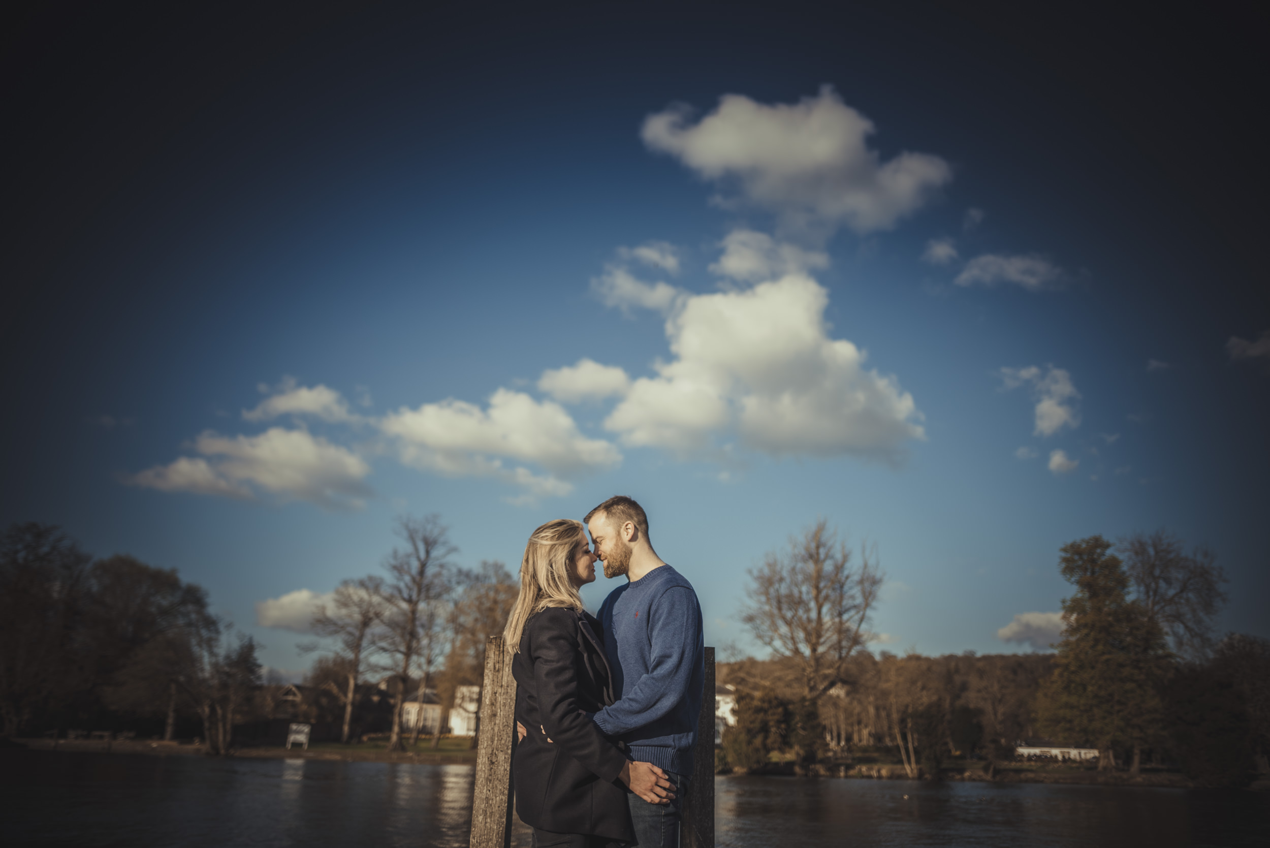 Hannah-and-James-Engagement-Session-Henley-on-Thames-Oxfordshire-Manu-Mendoza-Wedding-Photography-009.jpg