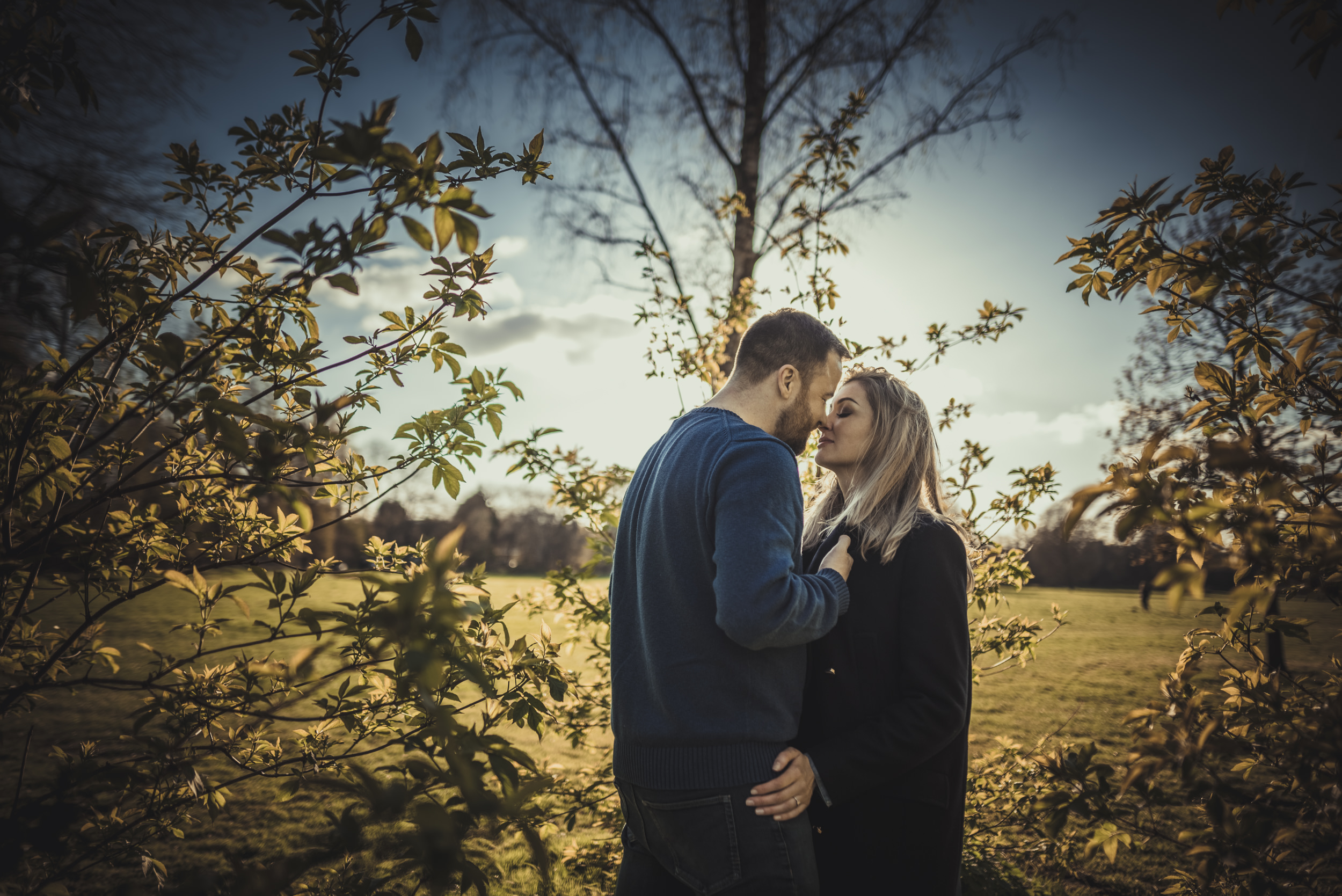 Hannah-and-James-Engagement-Session-Henley-on-Thames-Oxfordshire-Manu-Mendoza-Wedding-Photography-015.jpg